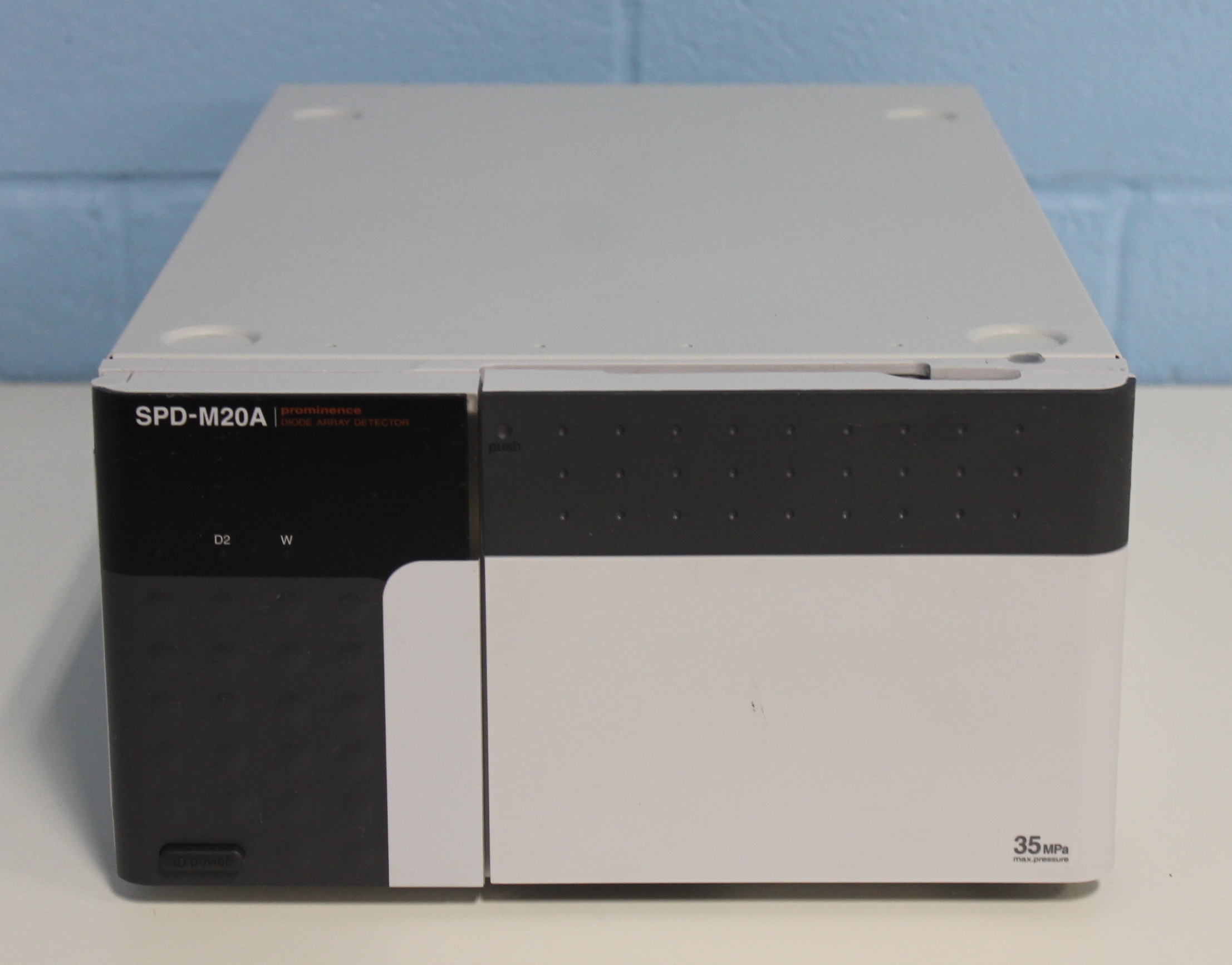 Waters Alliance e2695 HPLC system with Waters 2998 Photodiode 2998 photodiode array pda detector specifications
