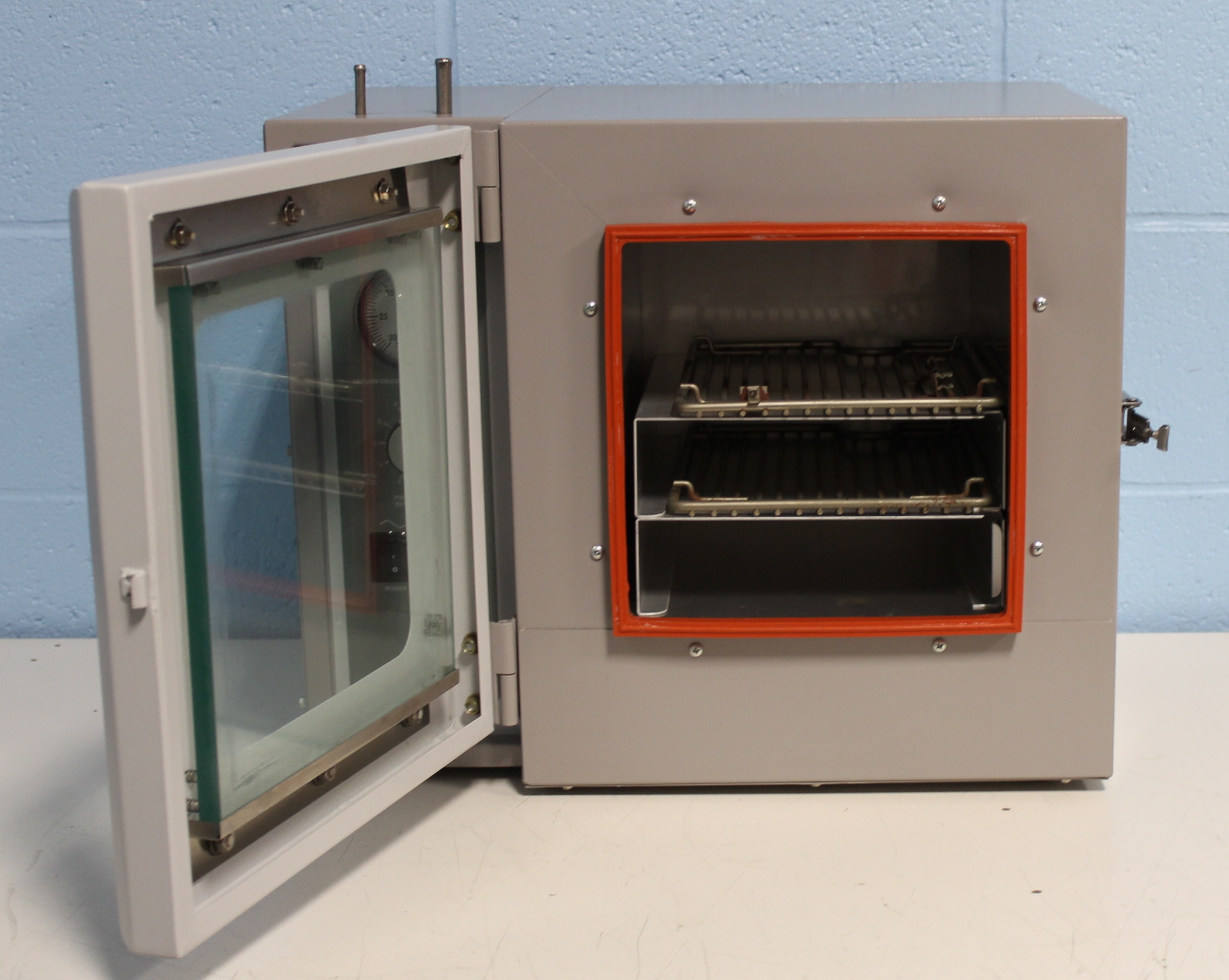 Refurbished VWR Scientific 1410 Vacuum Oven