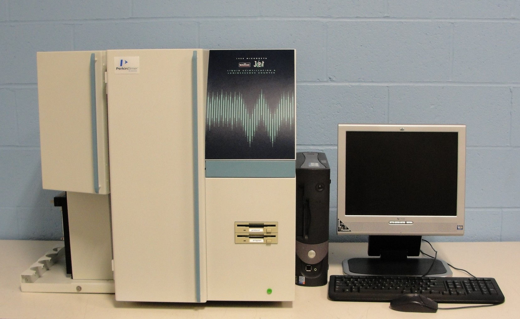 PerkinElmer/Wallac 1450-021 Trilux MicroBeta Jet Liquid Scintillation and Luminescence Counter Image