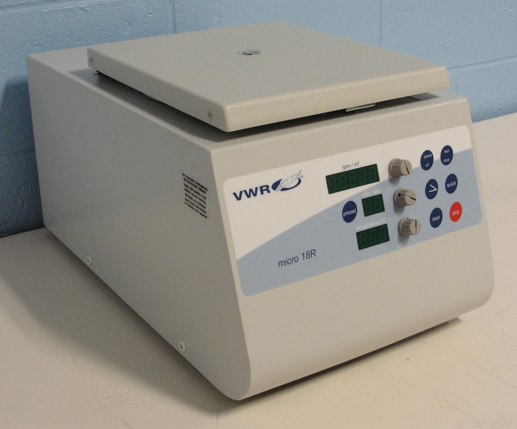 VWR 18R Refrigerated Microcentrifuge with Rotor
