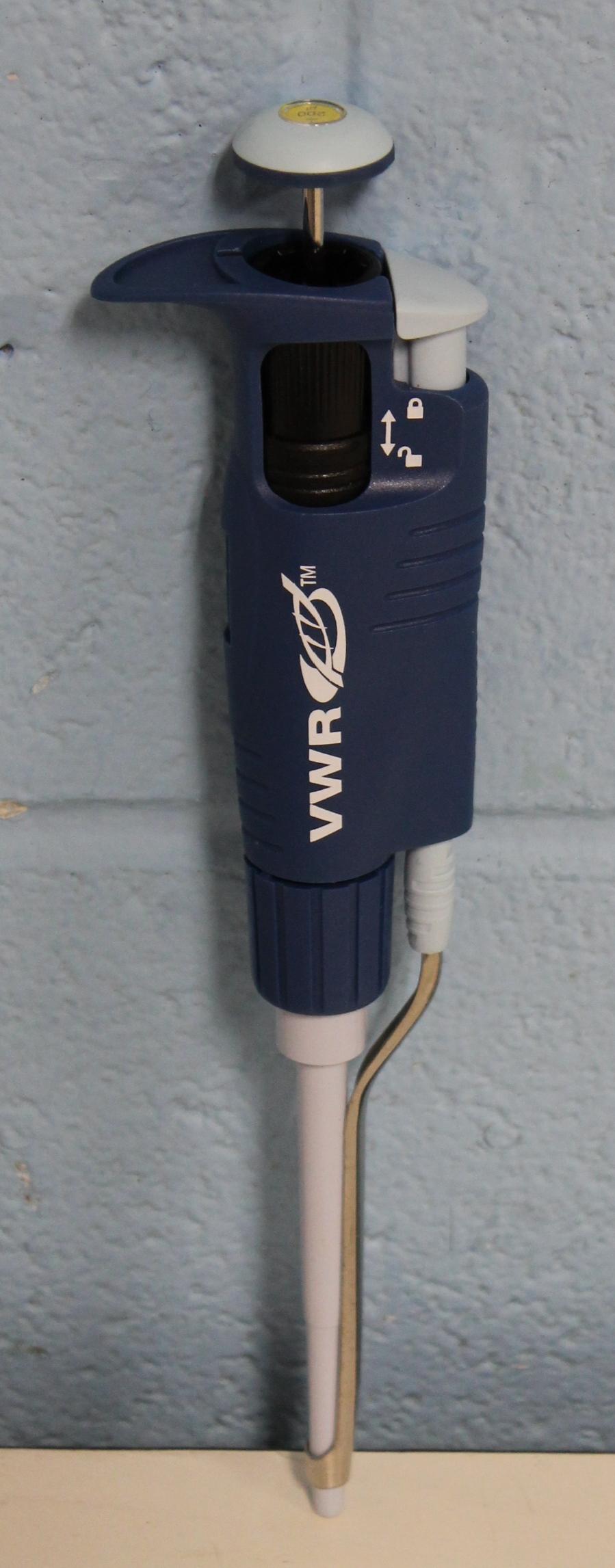 VWR 20 - 200 uL Signature Ergonomic High Performance Single-Channel Variable Volume Pipettor Image