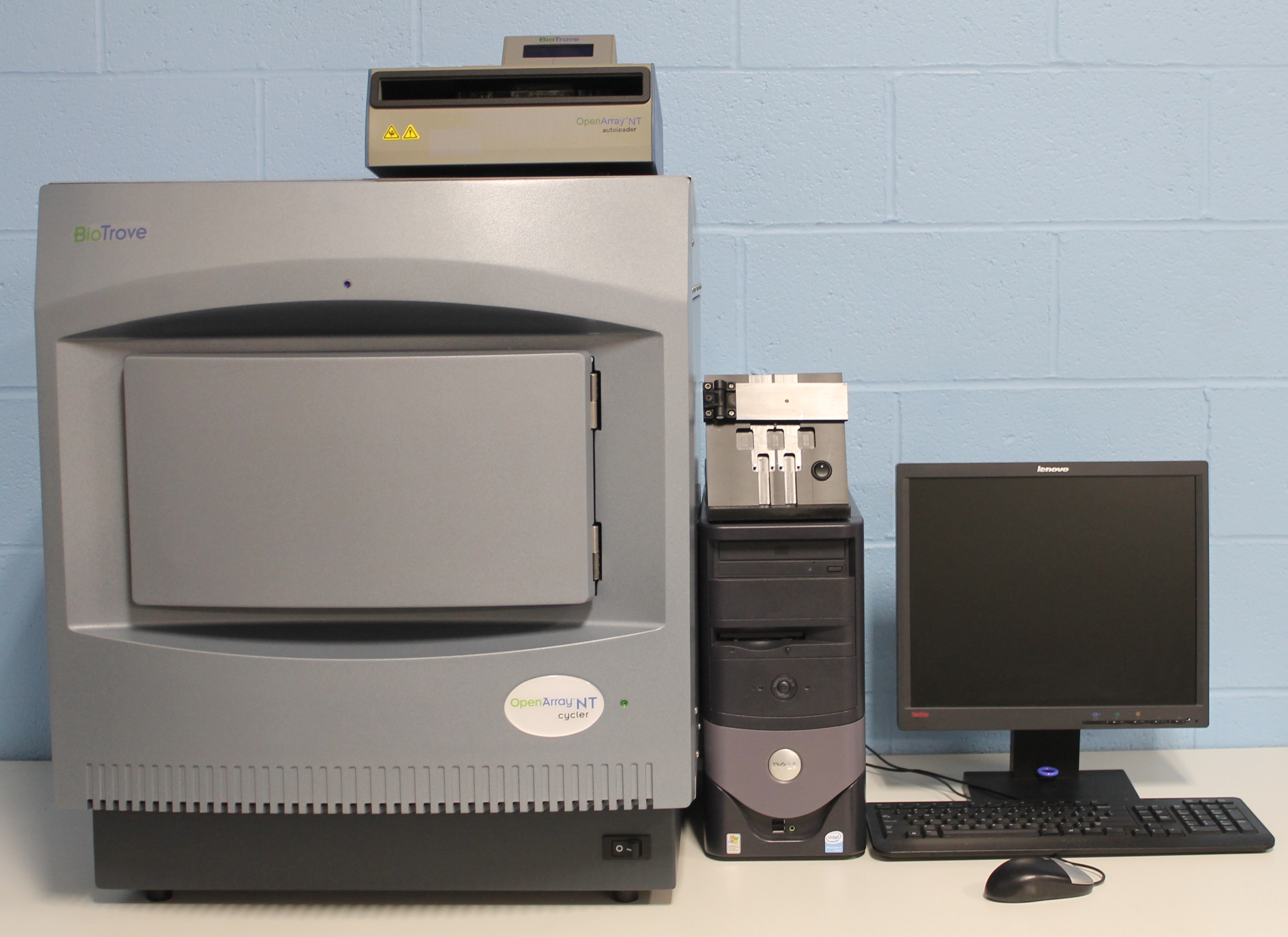 BioTrove 20001 OpenArray NT Cycler System Image