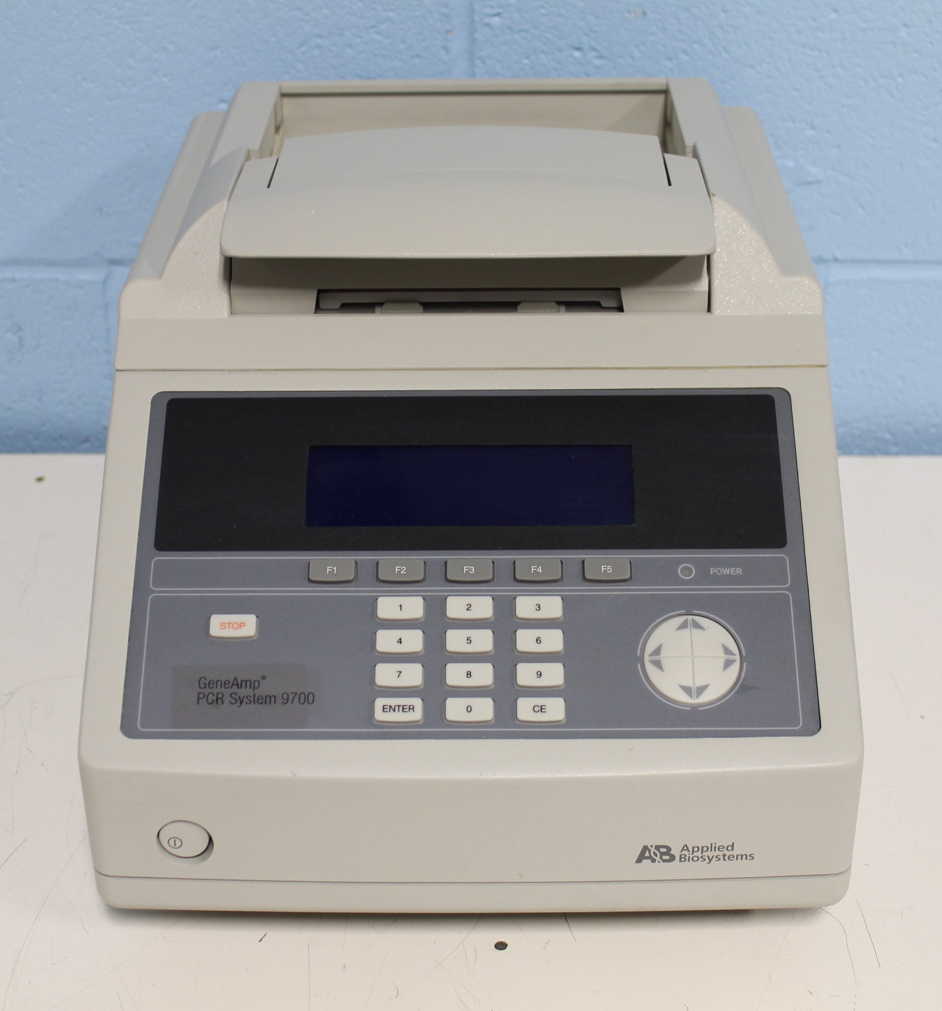 Applied Biosystems GeneAmp PCR System 9700 with Dual 96-Well Aluminum Sample Block Module  Image