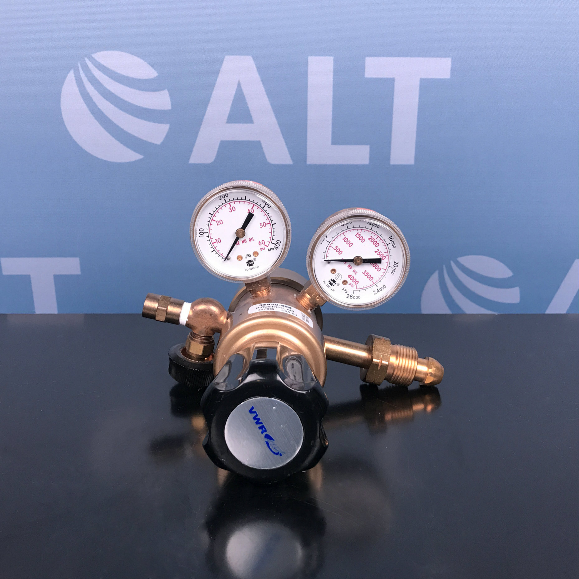 VWR Scientific Multistage Gas Regulator with Neoprene Diaphragm Cat No. 55850-496 (Breathing Air) Image
