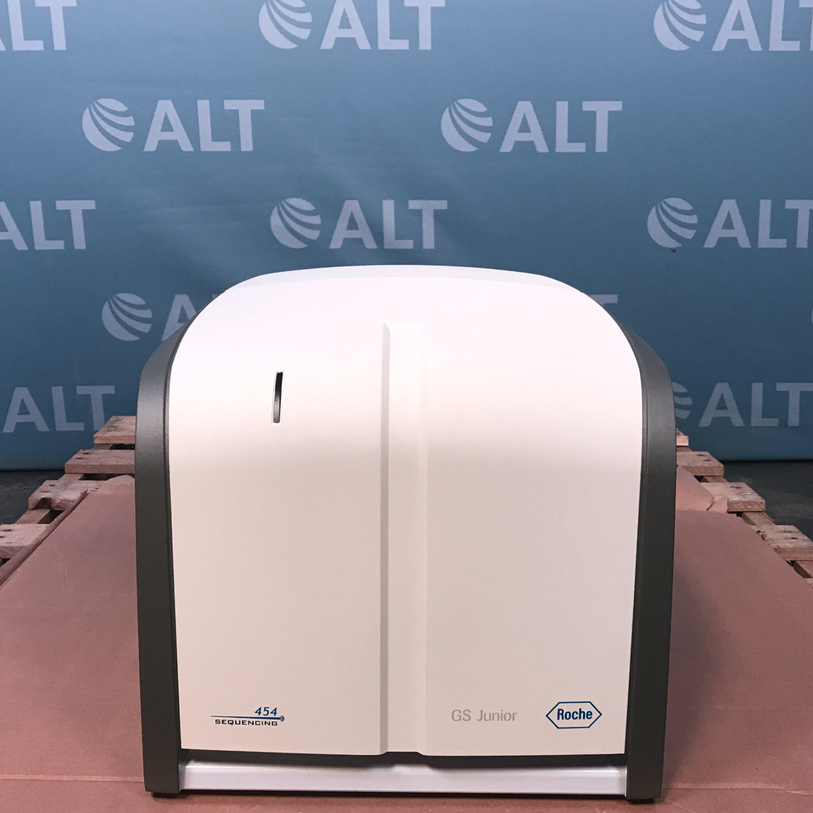 Roche Applied Science GS Junior 454 Benchtop DNA Sequencer Analyzer Image
