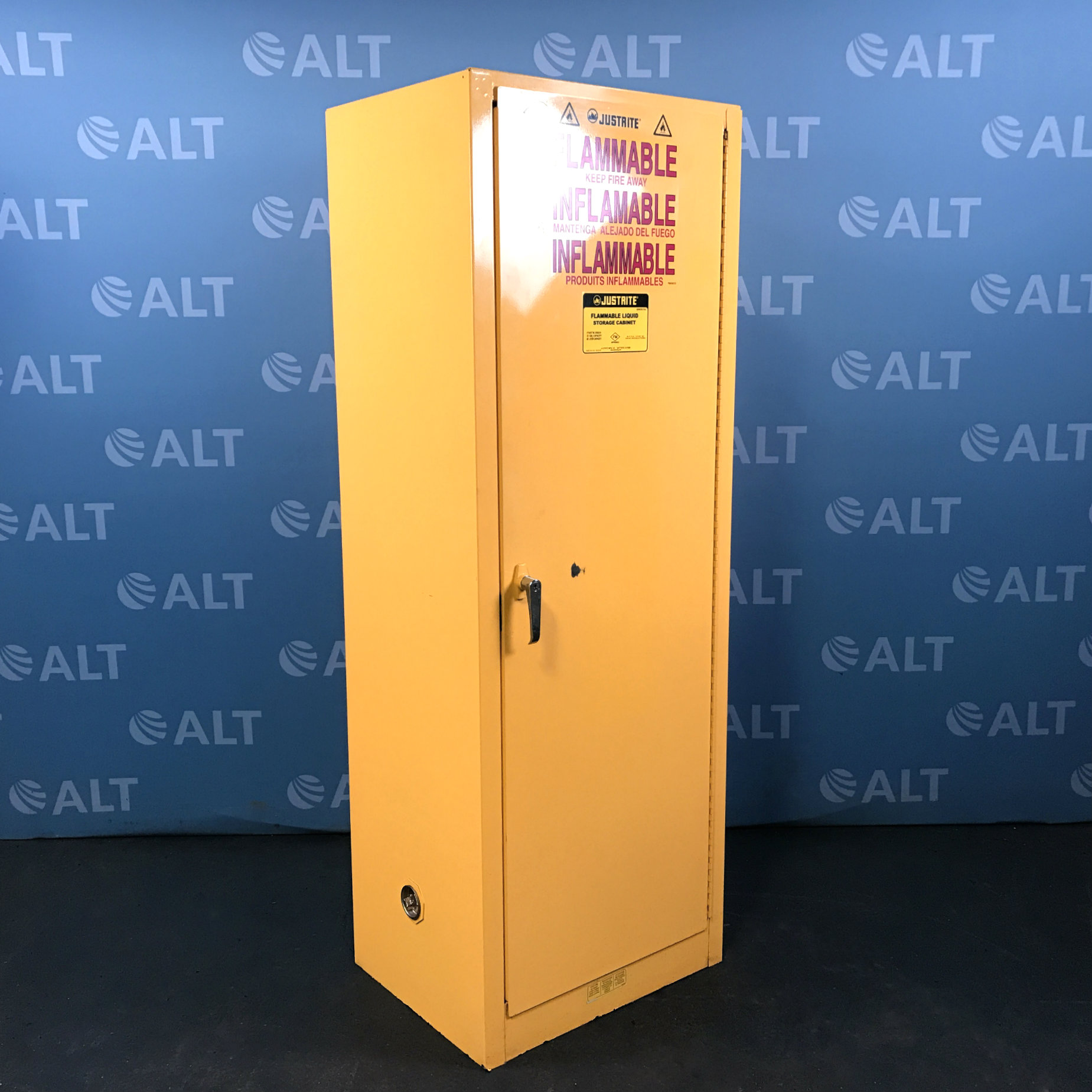 Justrite Model 25824 Flammable Liquid Storage Cabinet 22 Gal Image