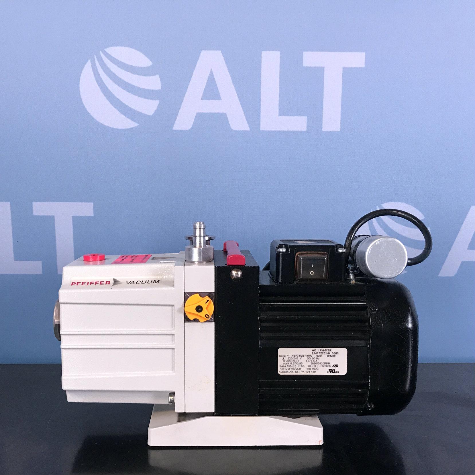 Pfeiffer Duo 2.5 Dual-stage Rotary Vane Vacuum Pump Image