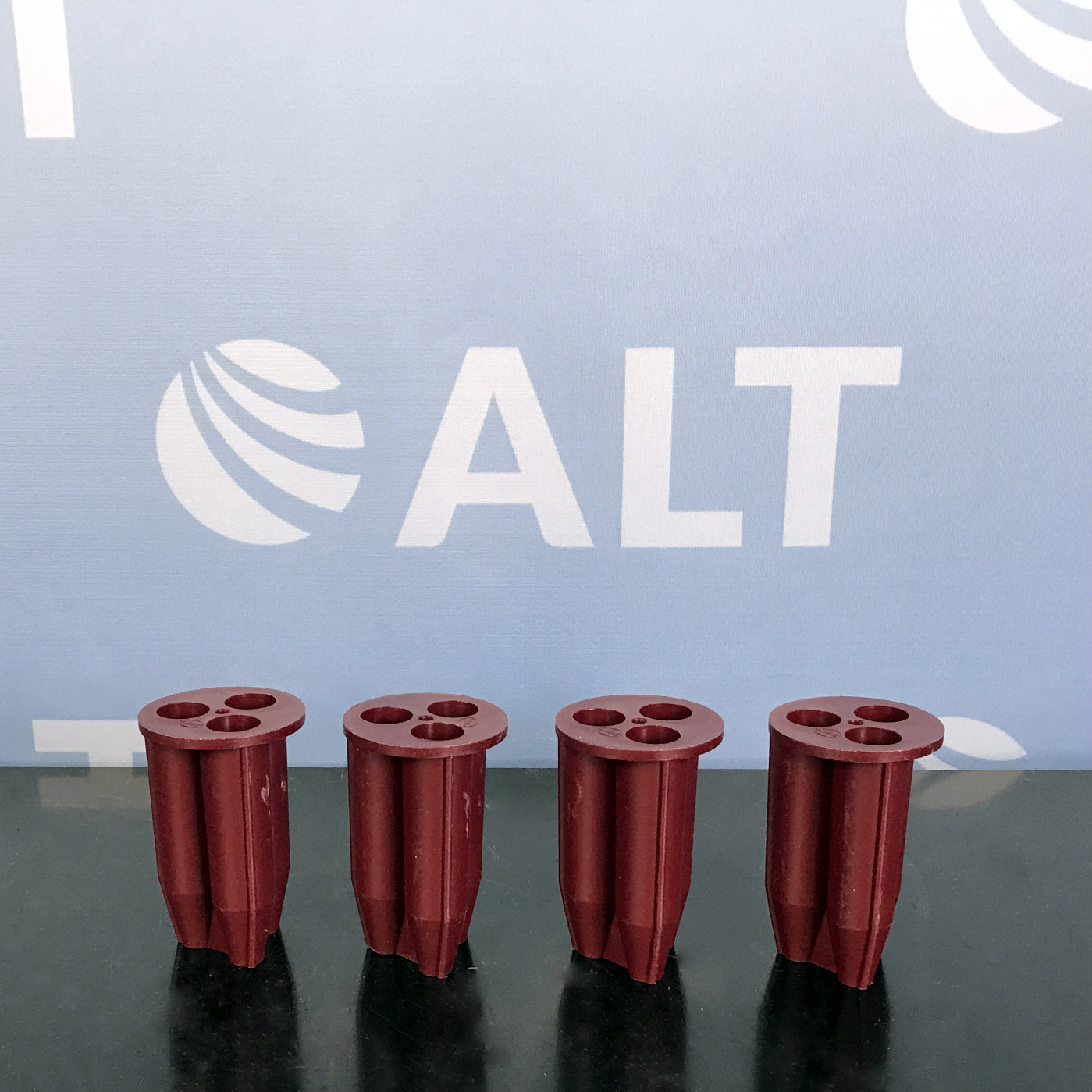 MSE ADAPTERS - MAROON - 3 X 15ml CONICAL TUBES (SET 4) 34159-310 Image