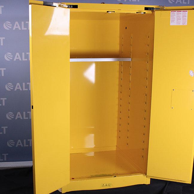 Refurbished Uline 55 Gallon Flammable Liquid Cabinet 876270