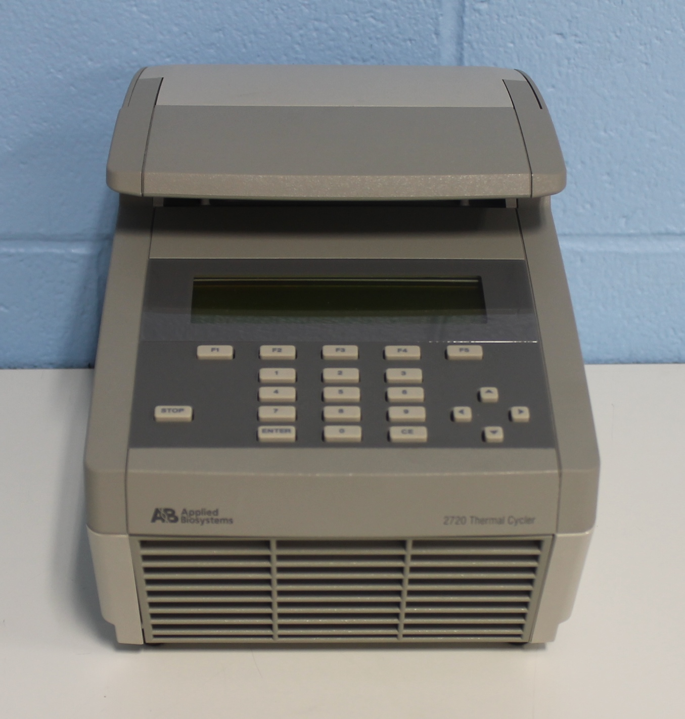 Applied Biosystems 2720 Thermal Cycler Image