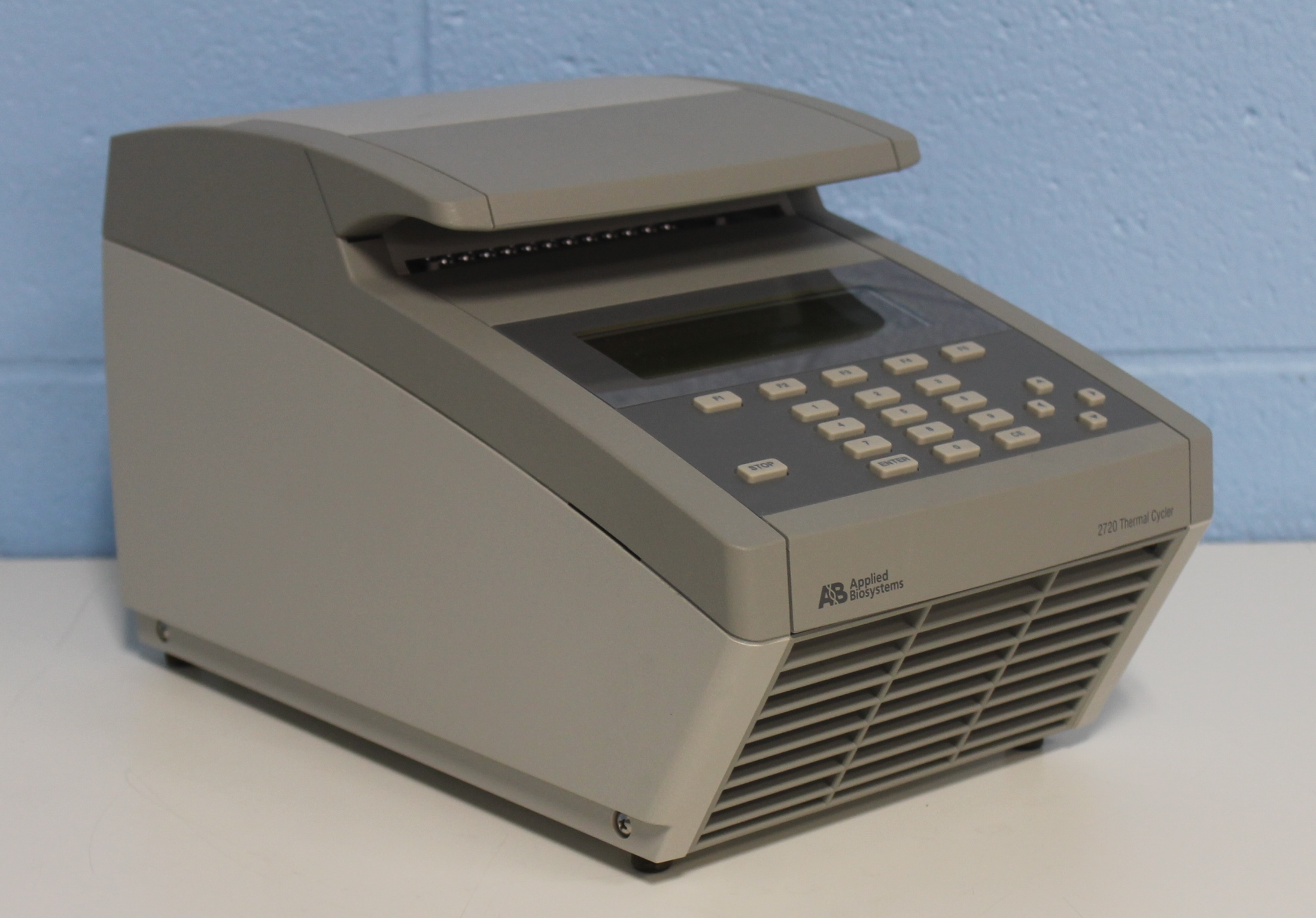 ... Applied Biosystems 2720 Thermal Cycler Image