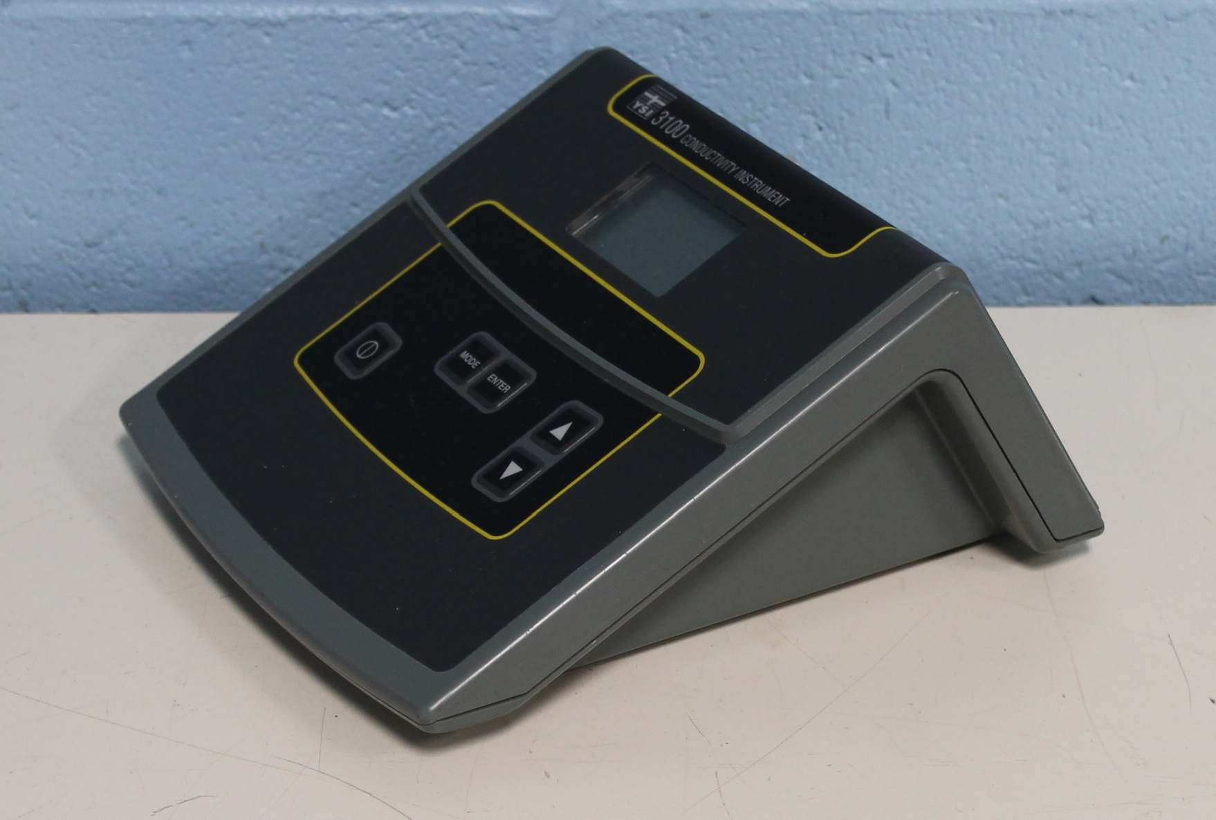 Ysi Conductivity Meters : Refurbished ysi conductivity meter