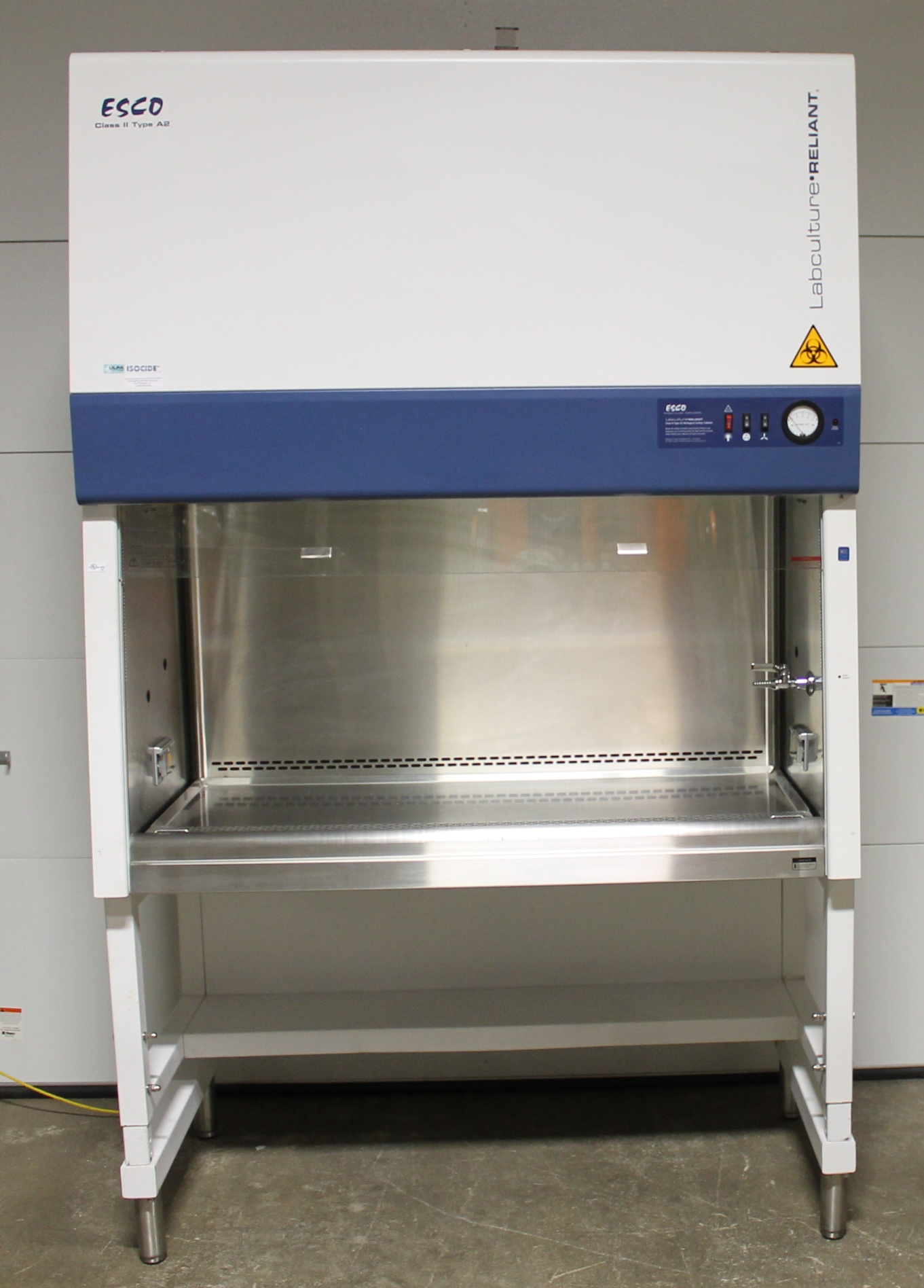 ESCO 4u0027 Labculture Reliant Class II, Type A2 Biological Safety Cabinet  LR 4S2