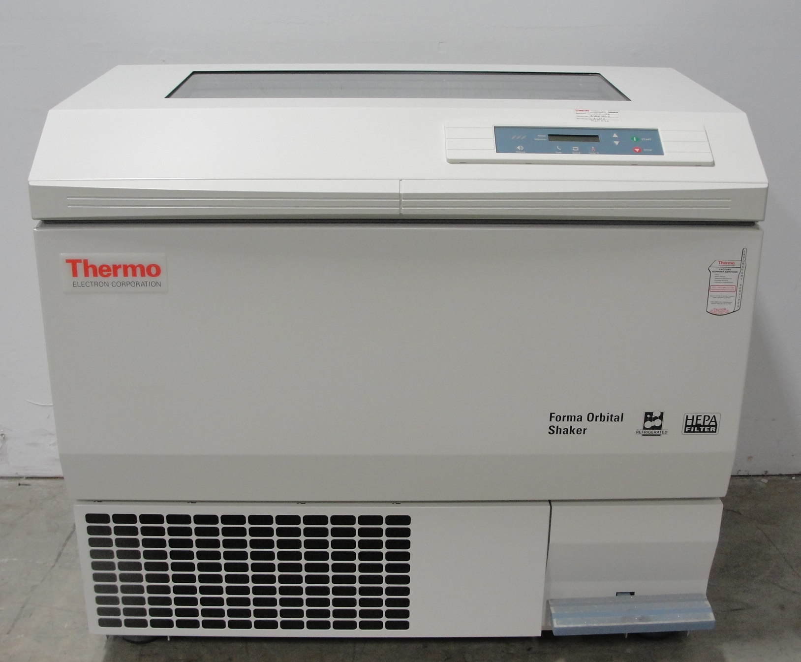 Thermo Electron Corporation Refrigerated Orbital Shaker, Model 480 Image