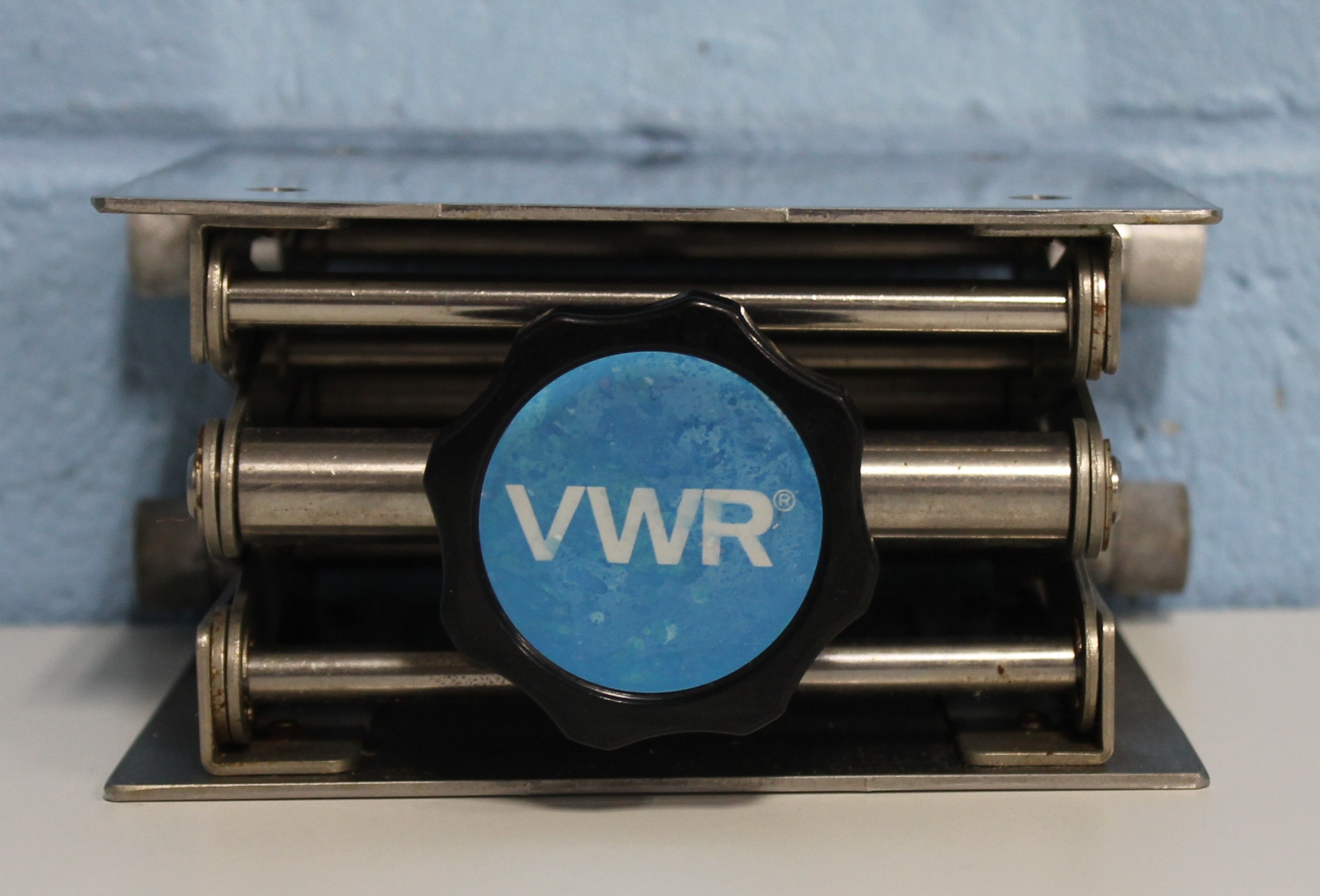 "Refurbished VWR Scientific 6"" x 6"" Support Jack"