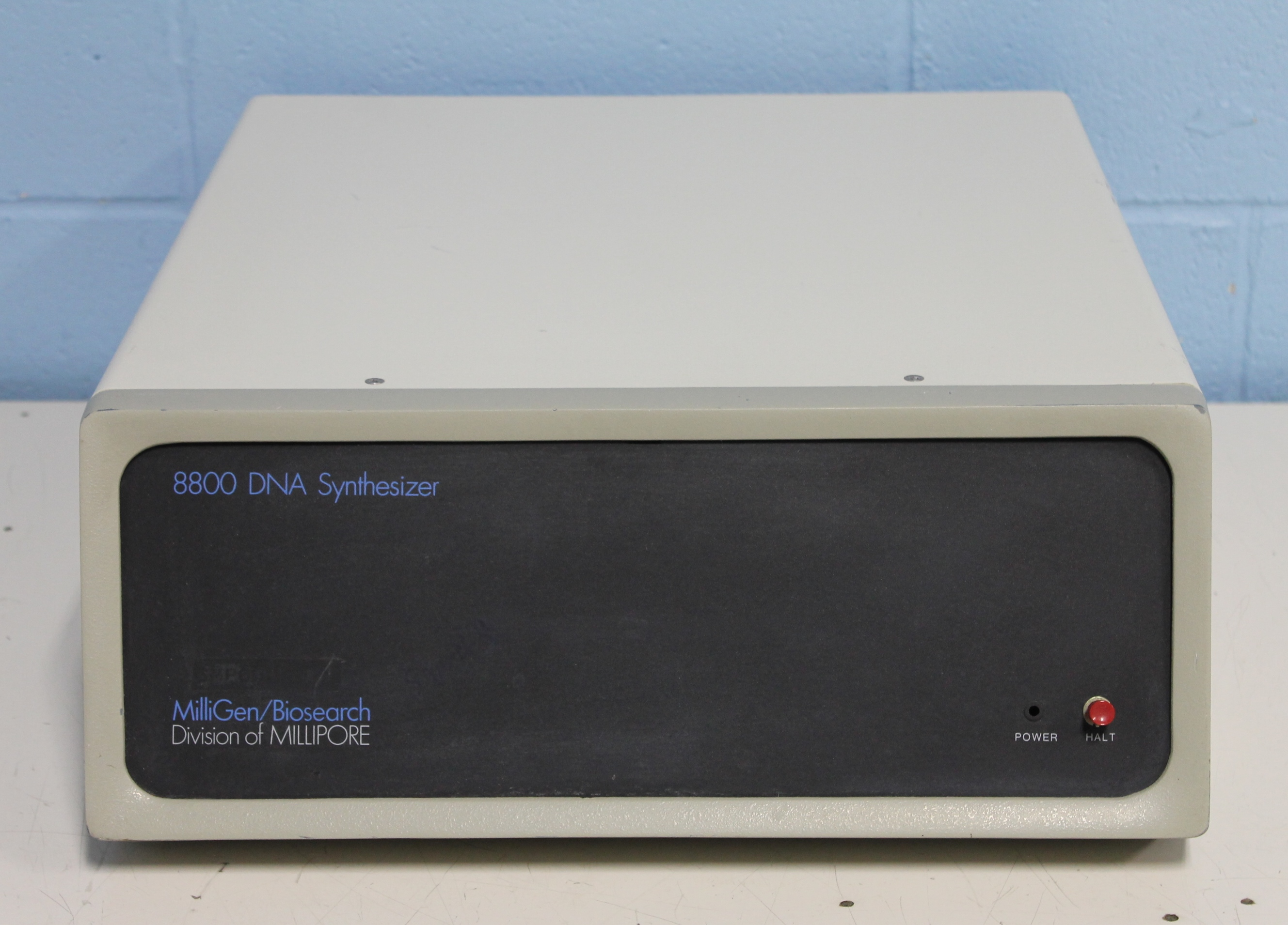 Millipore 8800 DNA Synthesizer Controller Image