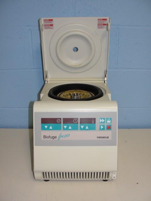 Heraeus Biofuge Fresco Refrigerating Centrifuge Image