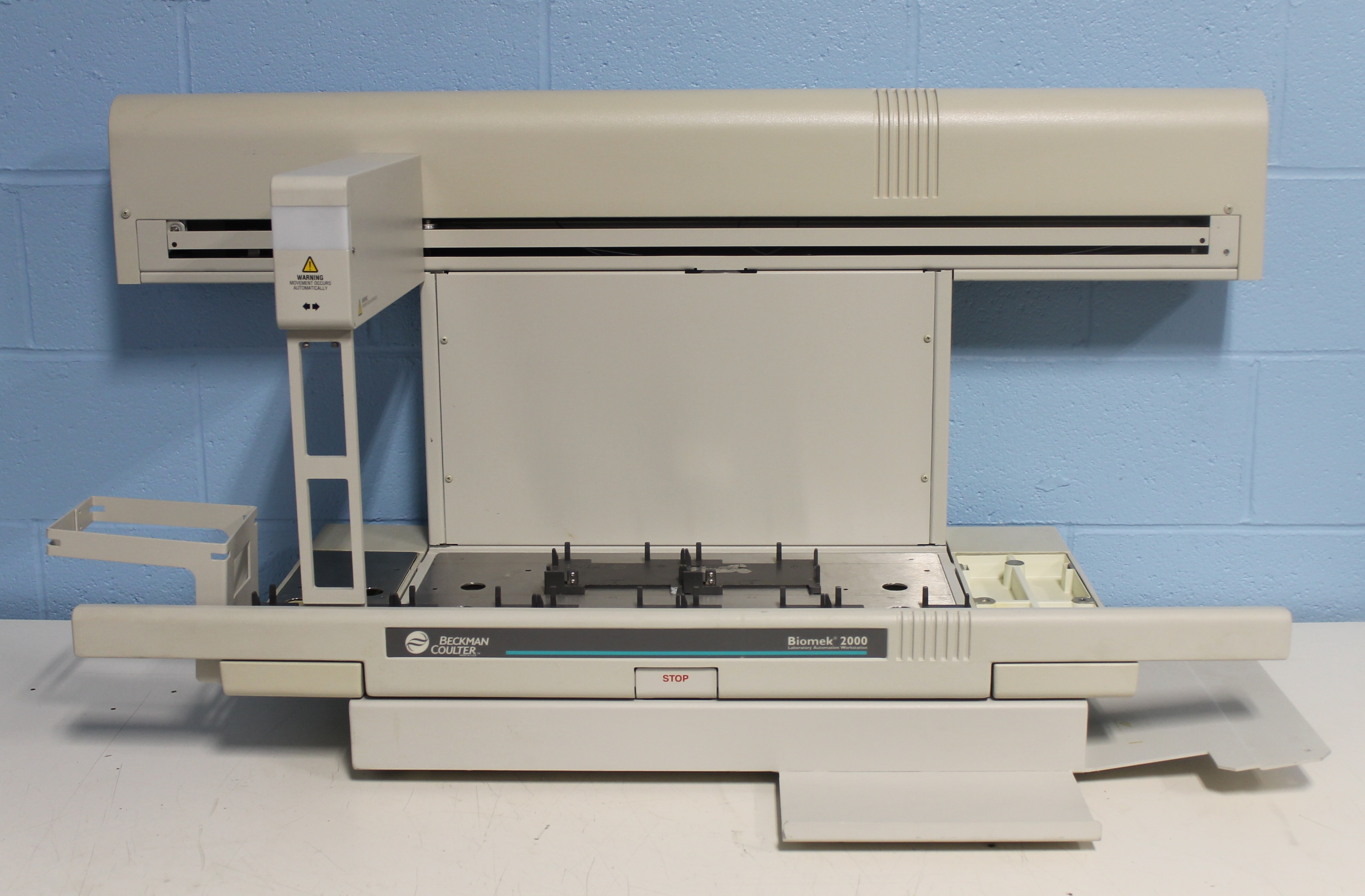 Beckman Coulter Biomek 2000 Laboratory Automation Workstation Image