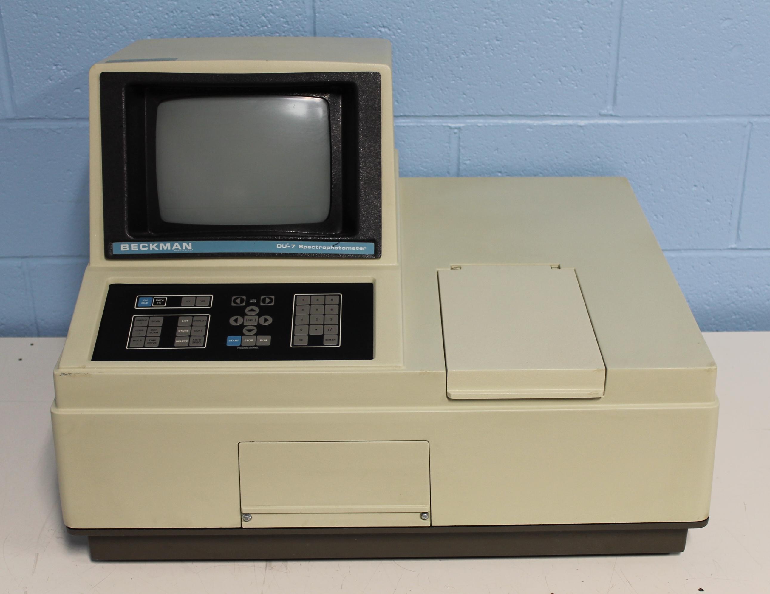 Beckman Coulter DU-70 Spectrophotometer Image