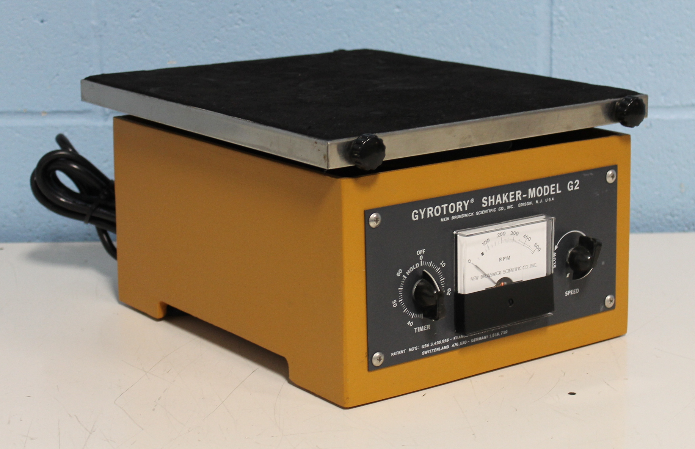 refurbished new brunswick scientific co gyrotory shaker On shaker mobel
