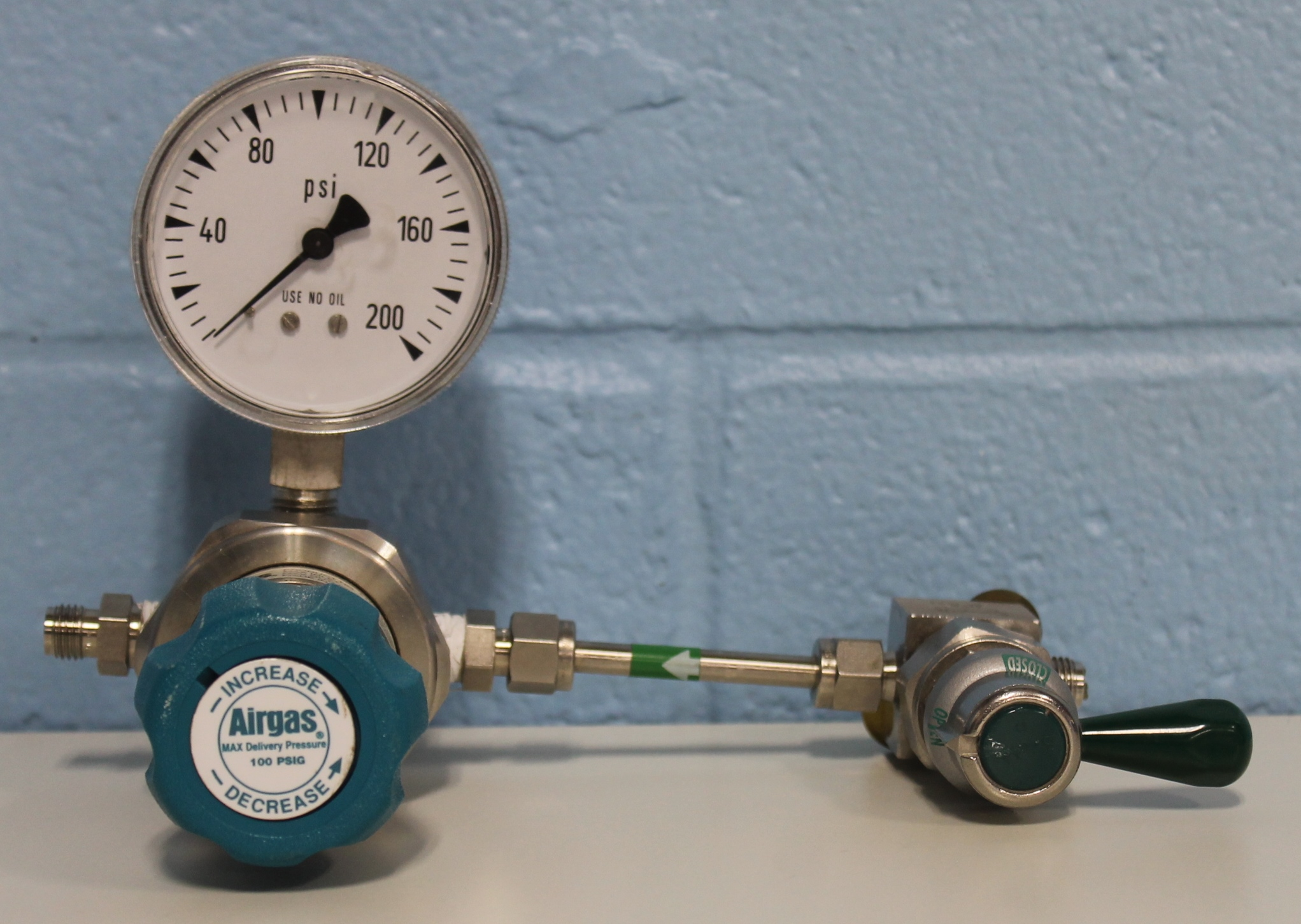 Airgas High-Purity Single-line Regulator with SS High-Purity High-Pressure Diaphragm-Sealed Valve, 1/4 Image