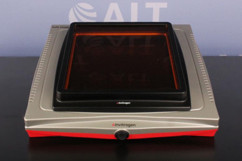 Invitrogen G6600 Safe Imager 2.0 Blue light Transilluminator Image