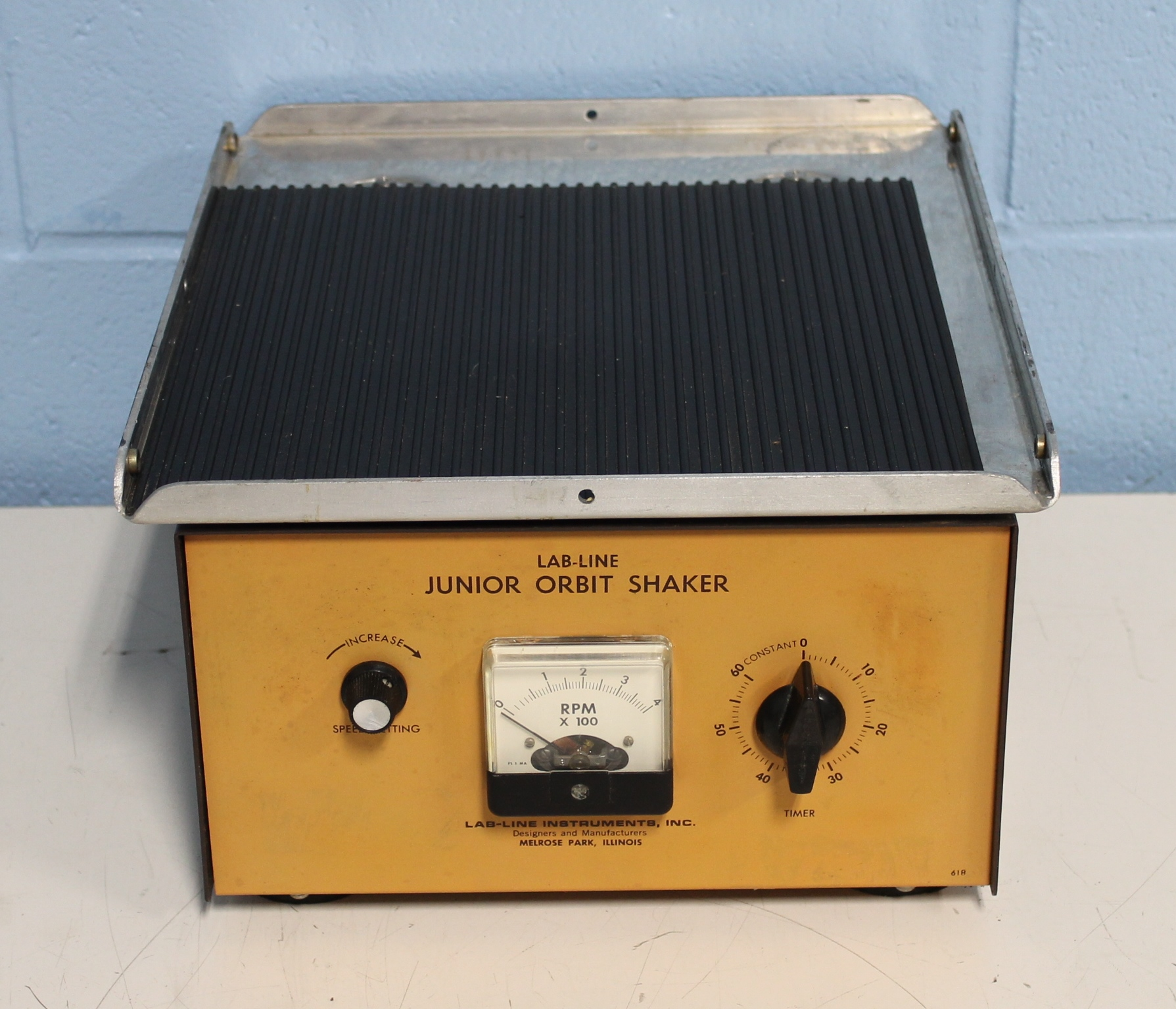 Lab Line Instruments Model 3520 Orbit Shaker Image
