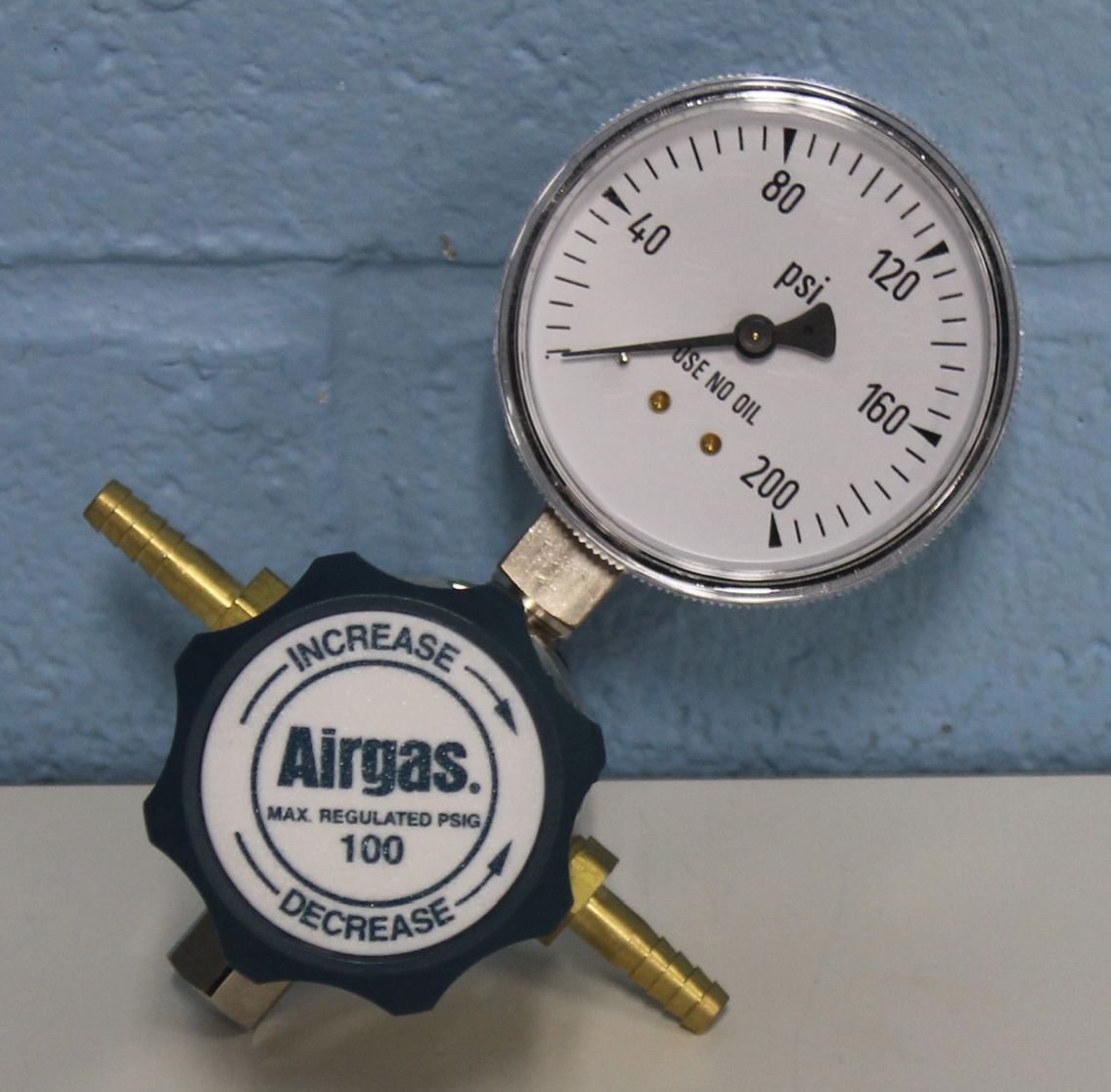 Airgas Single Stage Brass 0-100 psi Low Pressure Analytical Cylinder Regulator Image