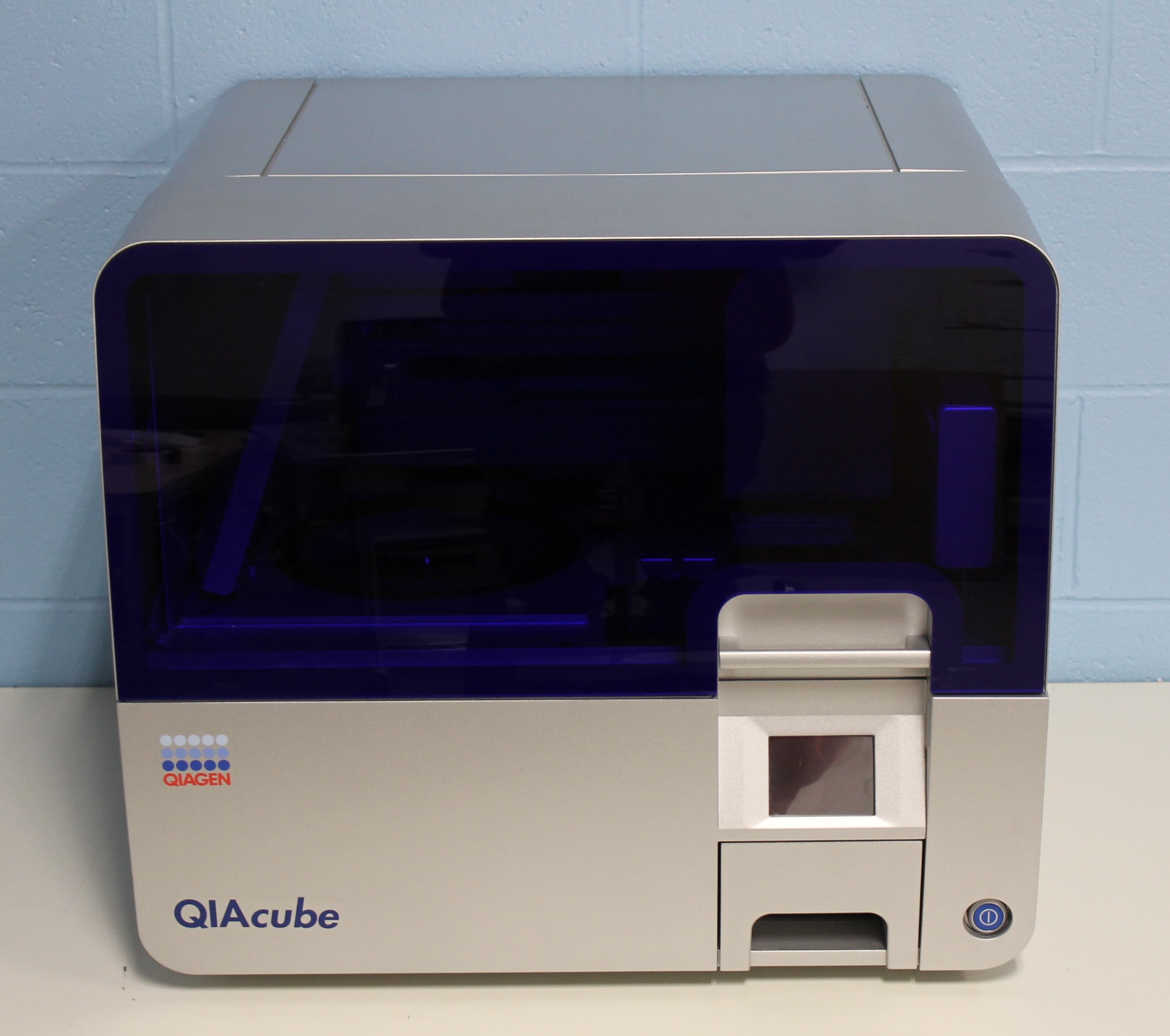 Qiagen QIAcube Robotic workstation (110 V) Image