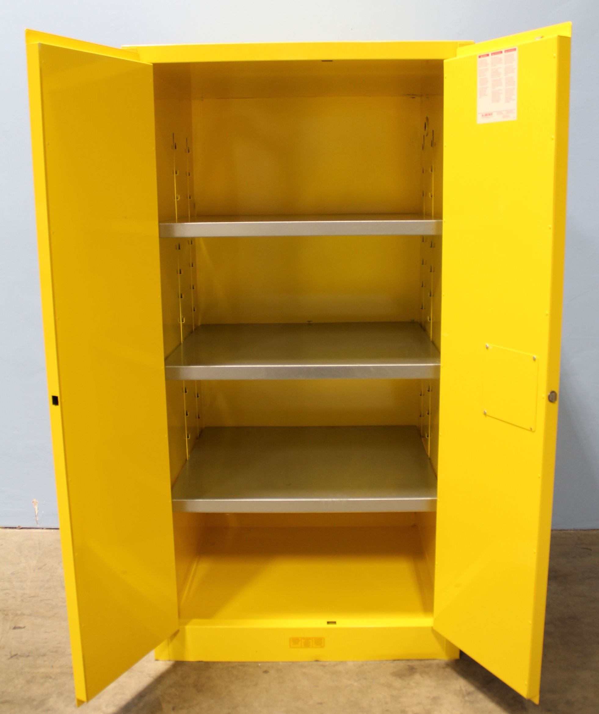 Refurbished Justrite Sure Grip Ex 896000 Flammable Safety Cabinet 60 Gallon