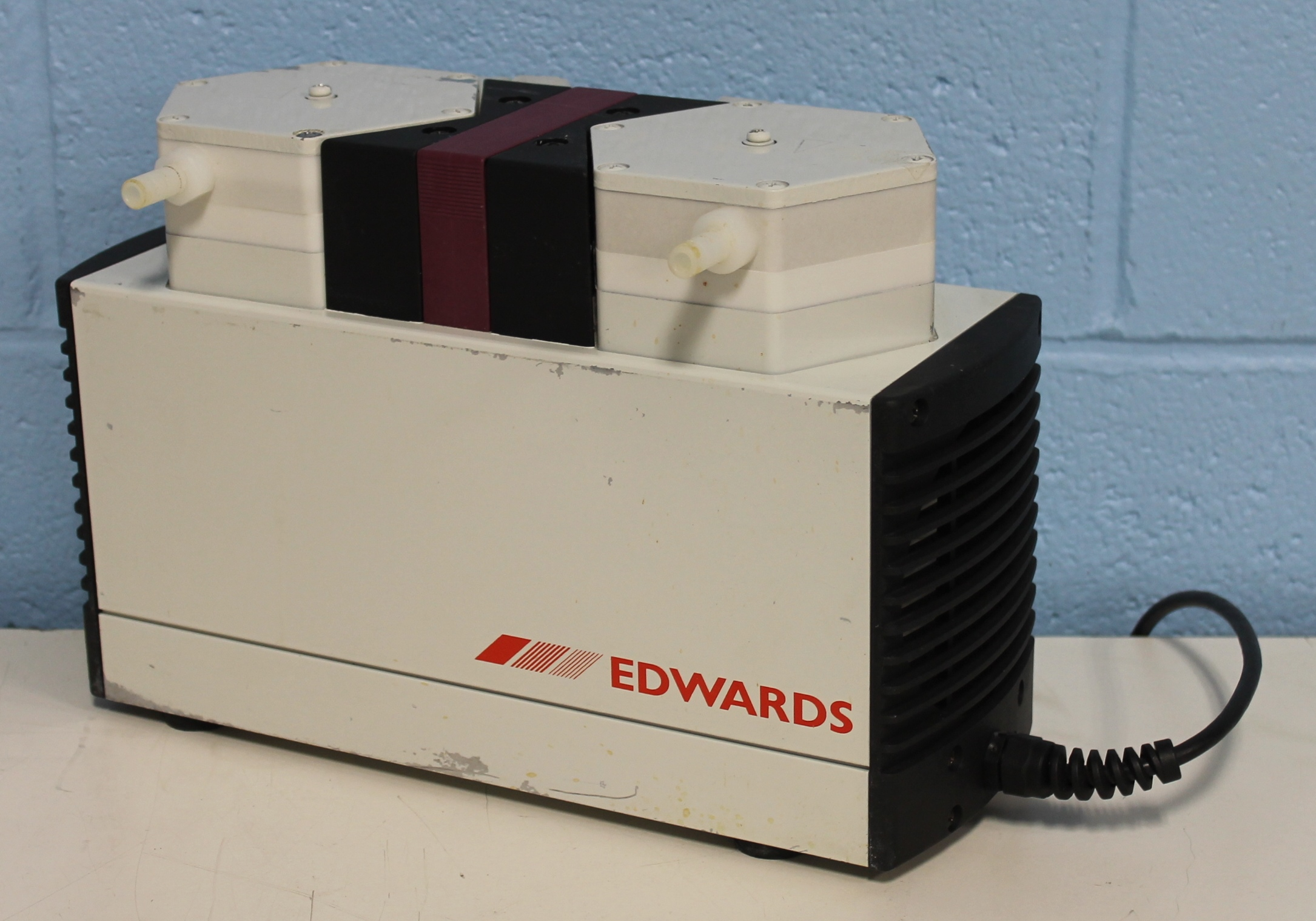 Refurbished Edwards Vacuum Pump Model PM13196-840 3