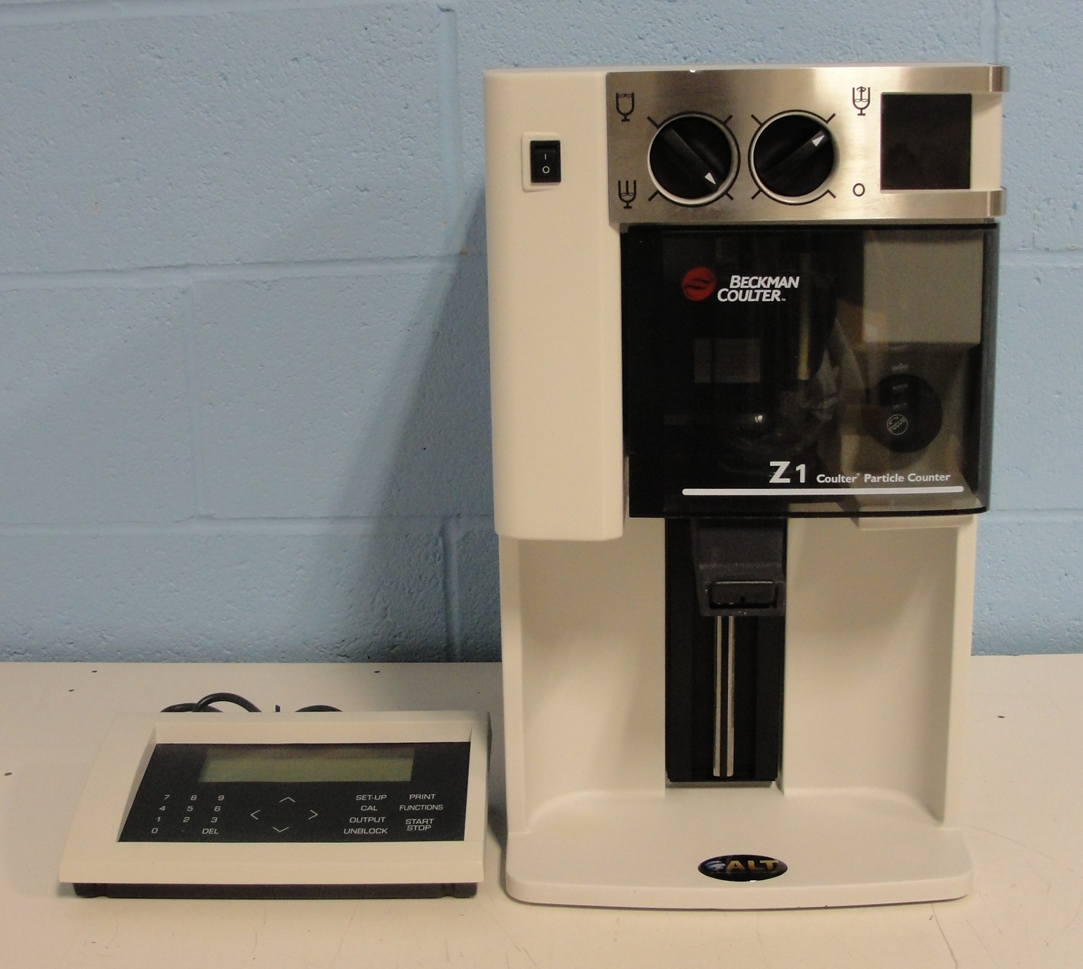 Beckman Coulter Z1 Particle Counter Model Z1 S Image