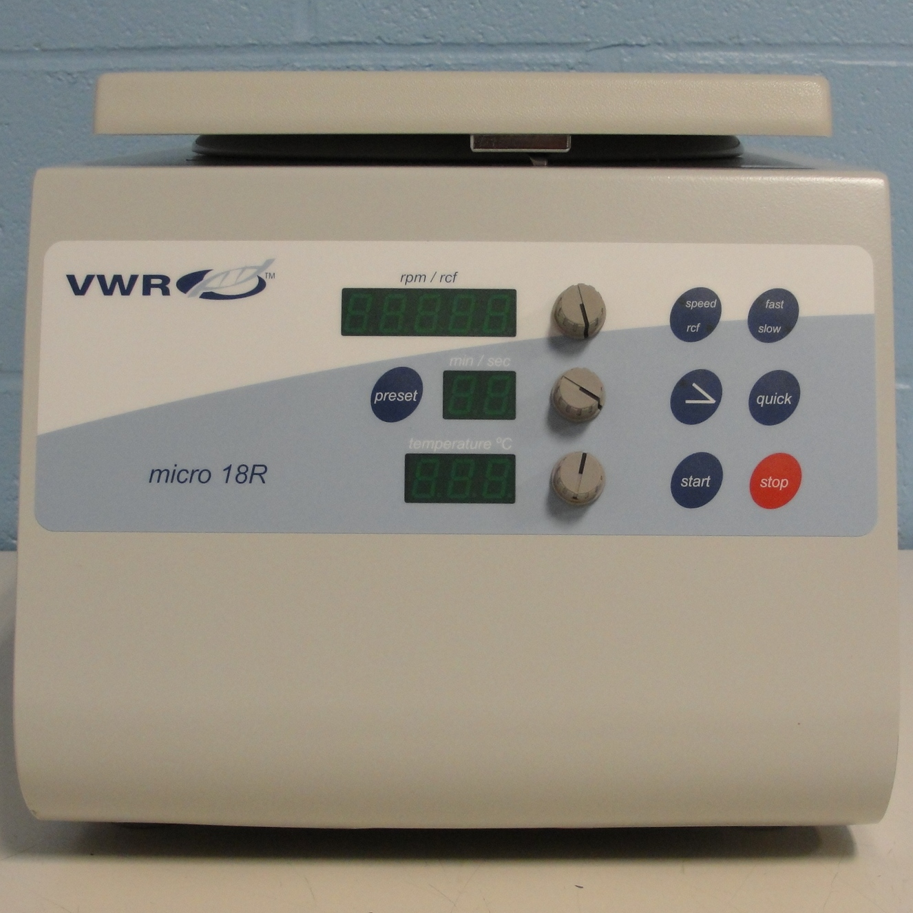 VWR 18R Refrigerated Microcentrifuge with Rotor Image