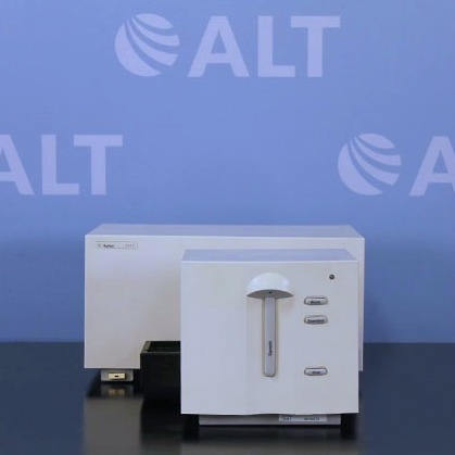 Agilent Technologies 8453 Diode Array UV/VIS Spectrophotometer Model G1103A with Single-Cuvette Holder Image