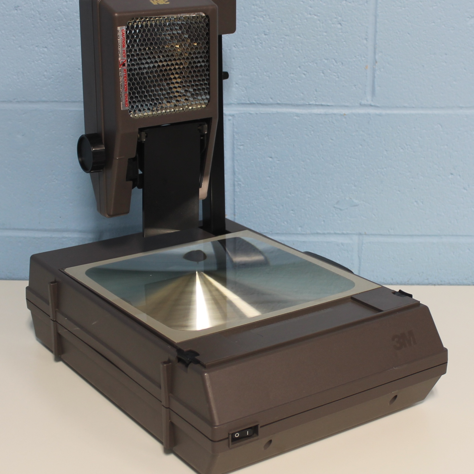 refurbished 3m 2000agt portable overhead projector ag 120v  60h