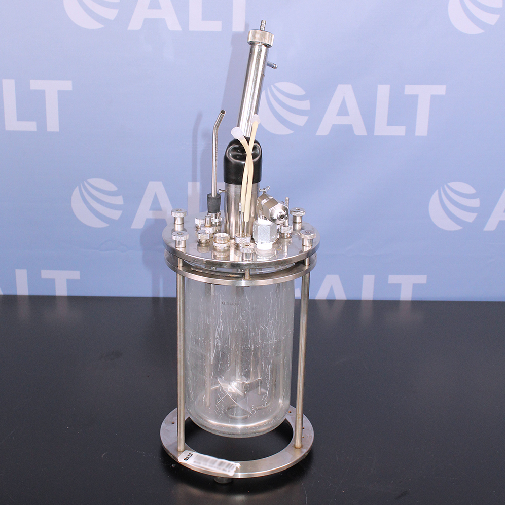 New Brunswick Scientific Co 2.5L Glass Vessel Image