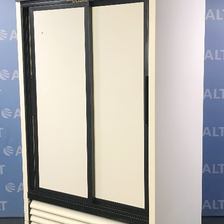 Refurbished True Gdm 37 Dual Sliding Door Refrigerator