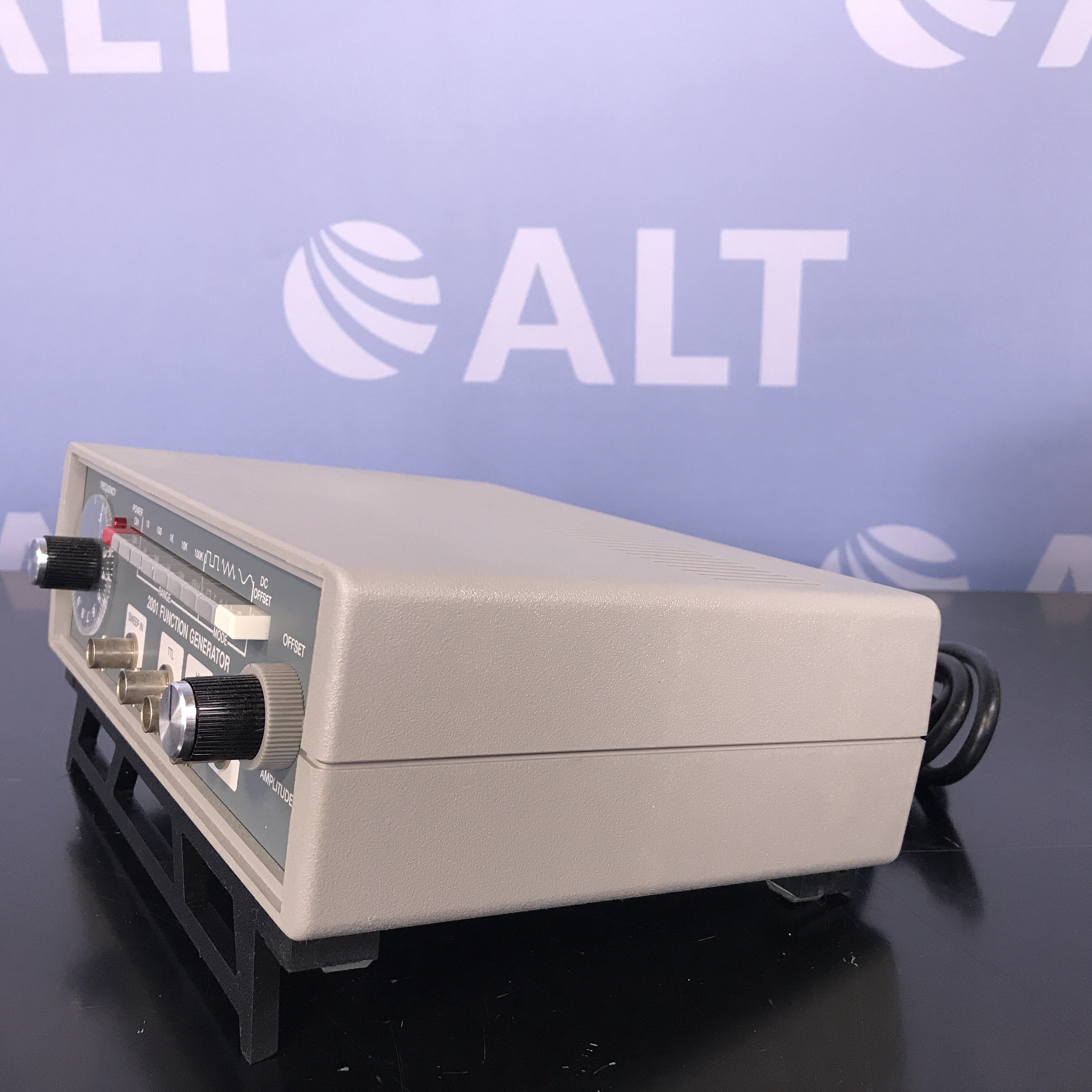 Global Specialties 2001 Function Generator Image