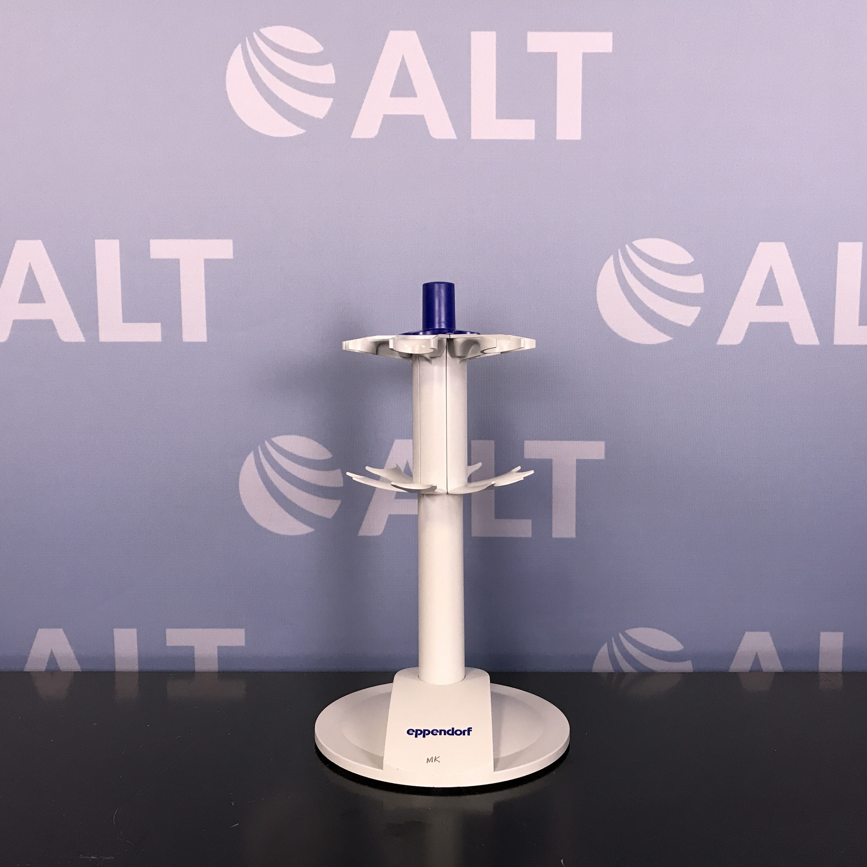 Eppendorf 6-place Research / Research Plus Carousel Stand Image