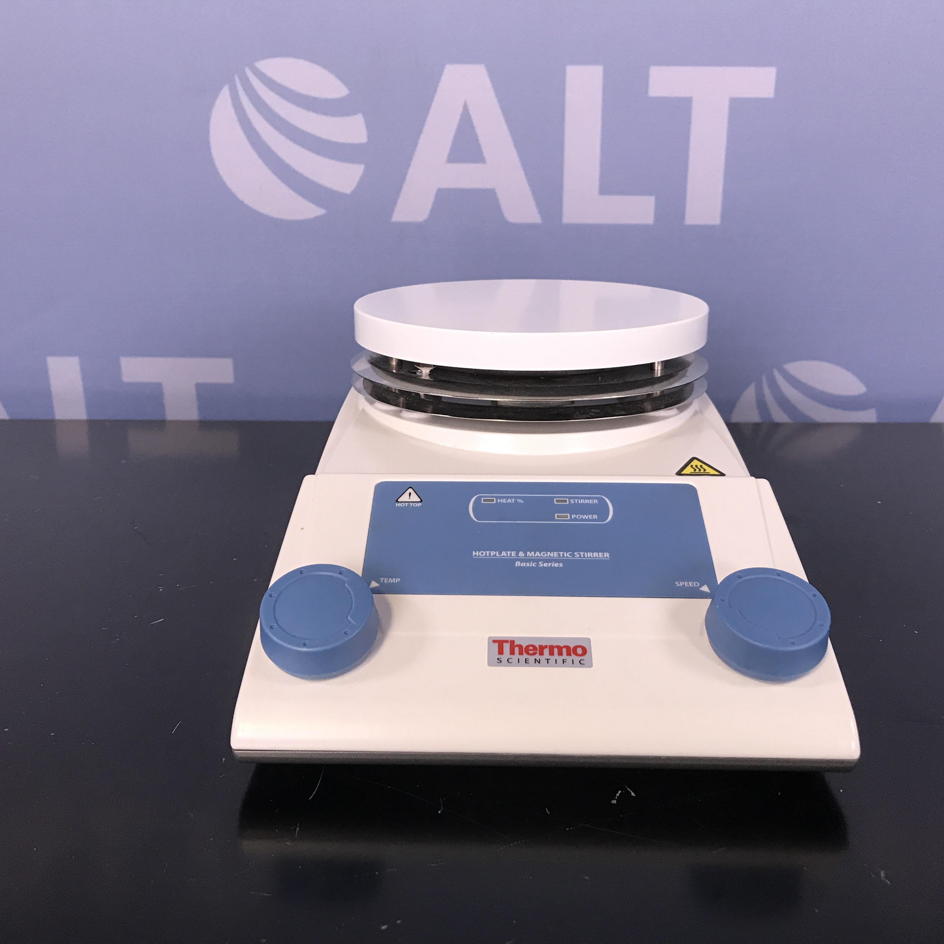 Thermo Scientific RT2 Basic Hotplate & Magnetic Stirrer  Image