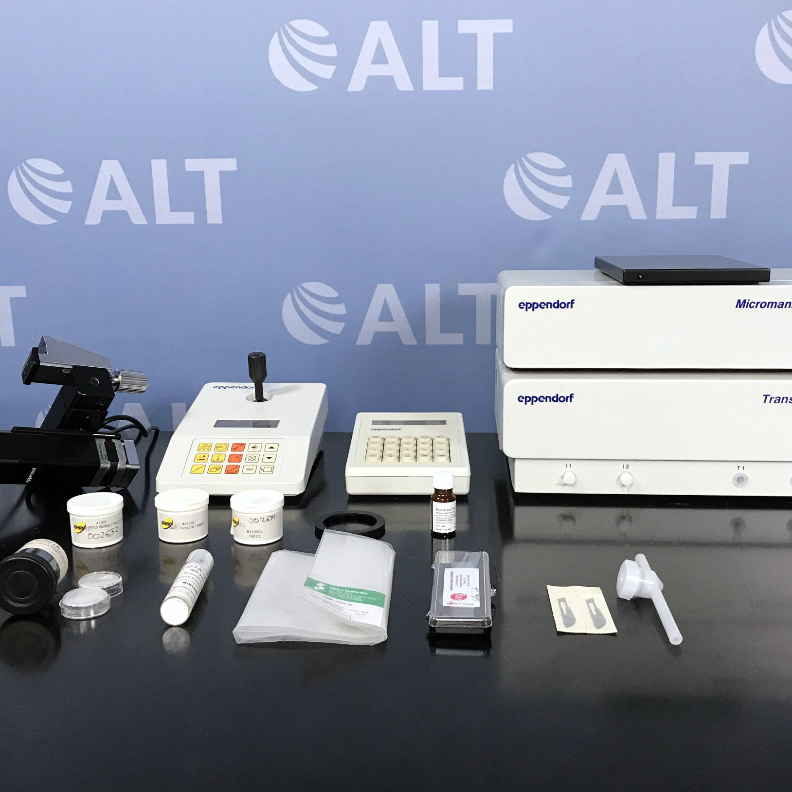 Automated Microinjection System, Transjector 5246 Basic and Micromanipulator 5171 Name