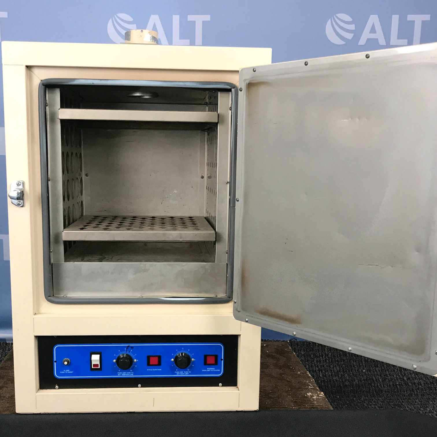 VWR 1330F Forced Air Oven Image