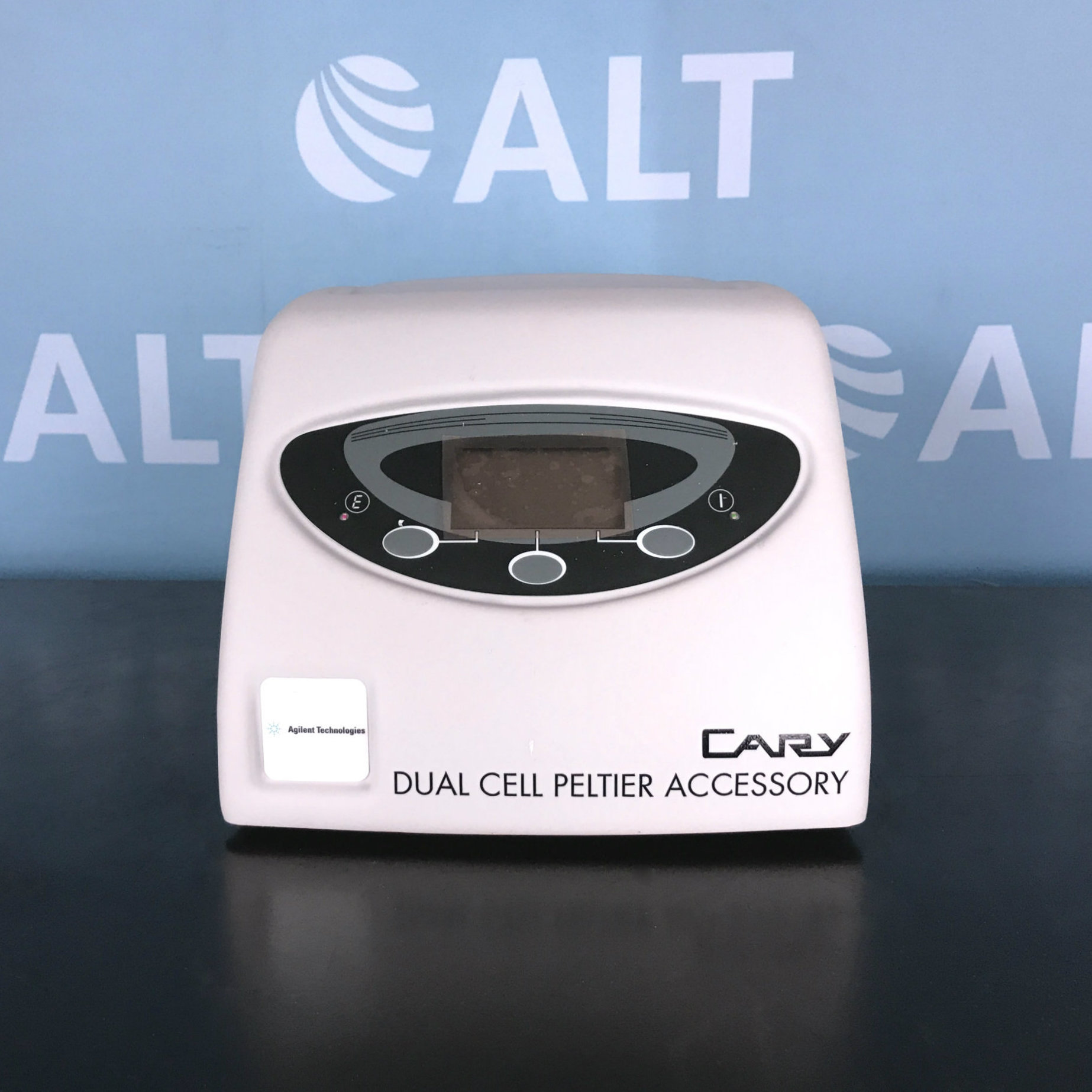Agilent Technologies Cary Dual Cell Peltier Accessory SPV-1X1 Image