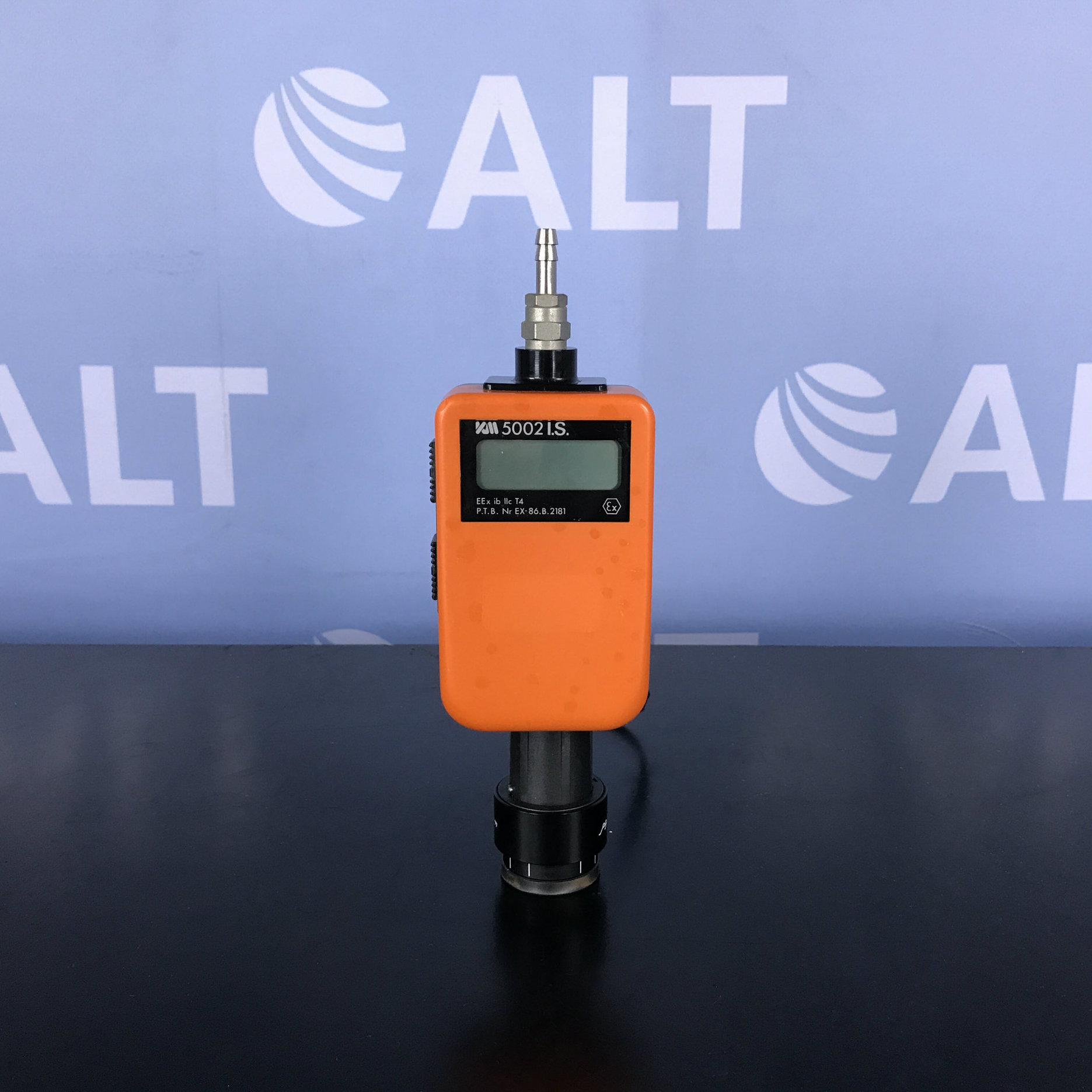 Kane-May Digital Pressure Meter 5002 I.S. Kit Image