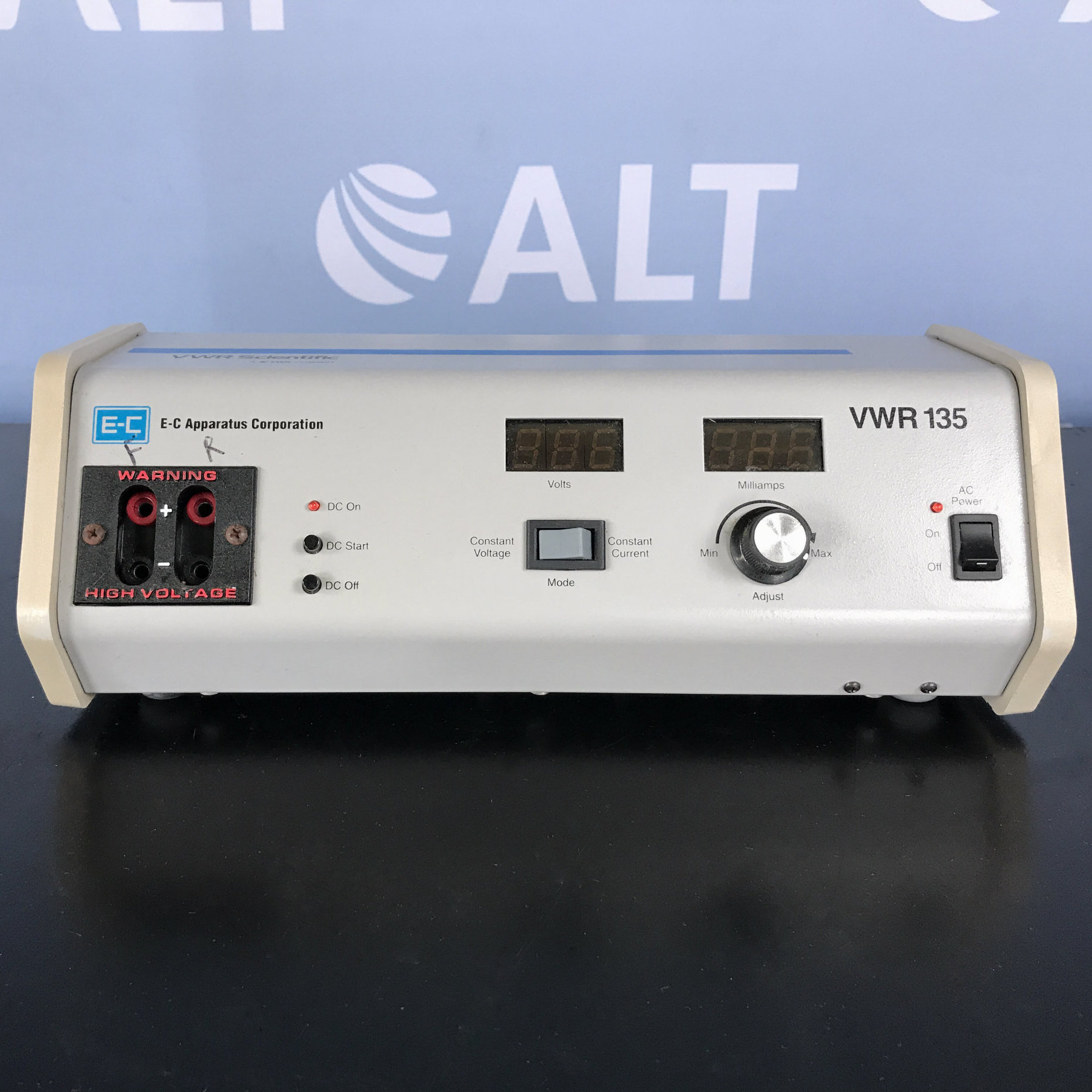 VWR 135 Electrophoresis Power Supply Image