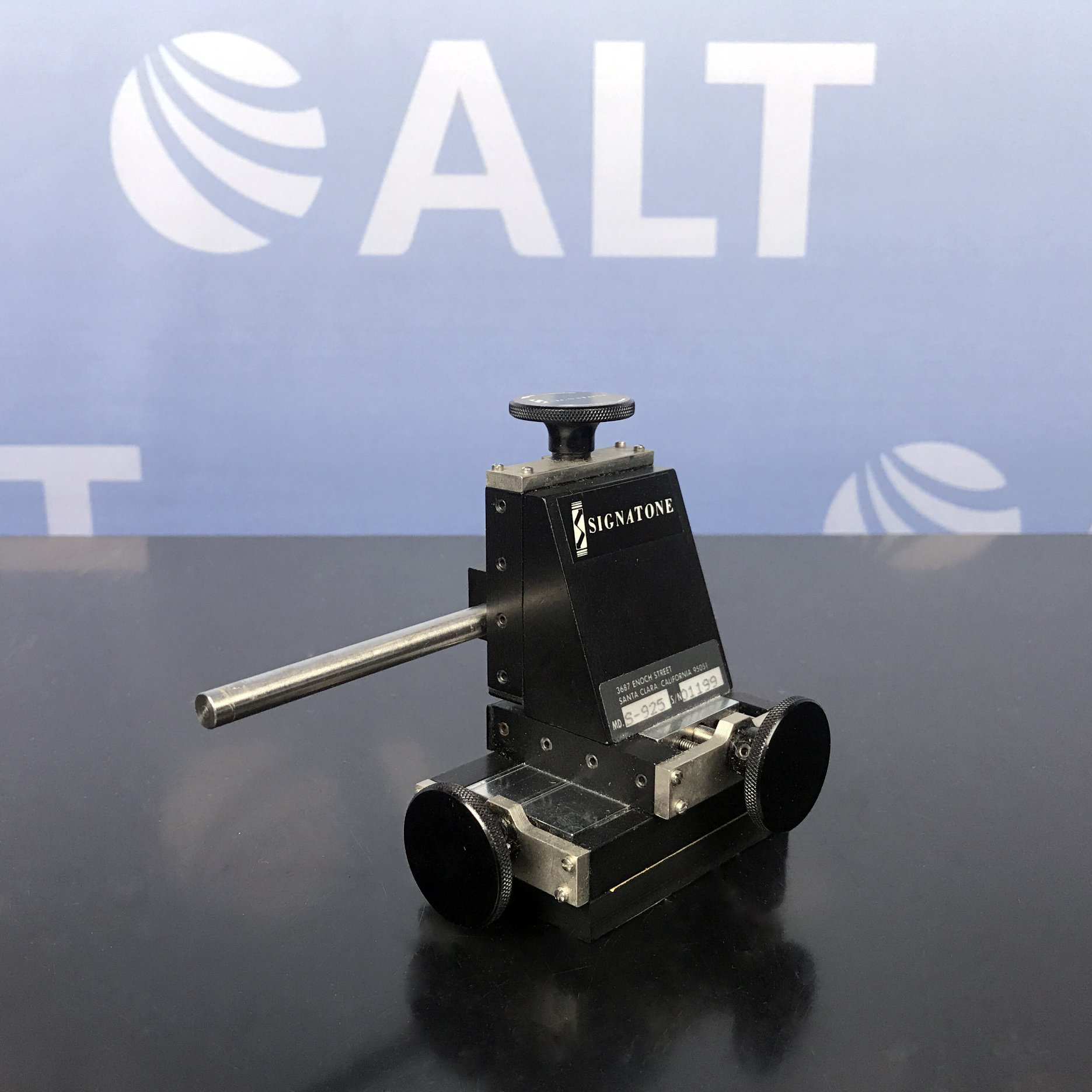 Signatone S-925 Micromanipulator Probe Positioner Image