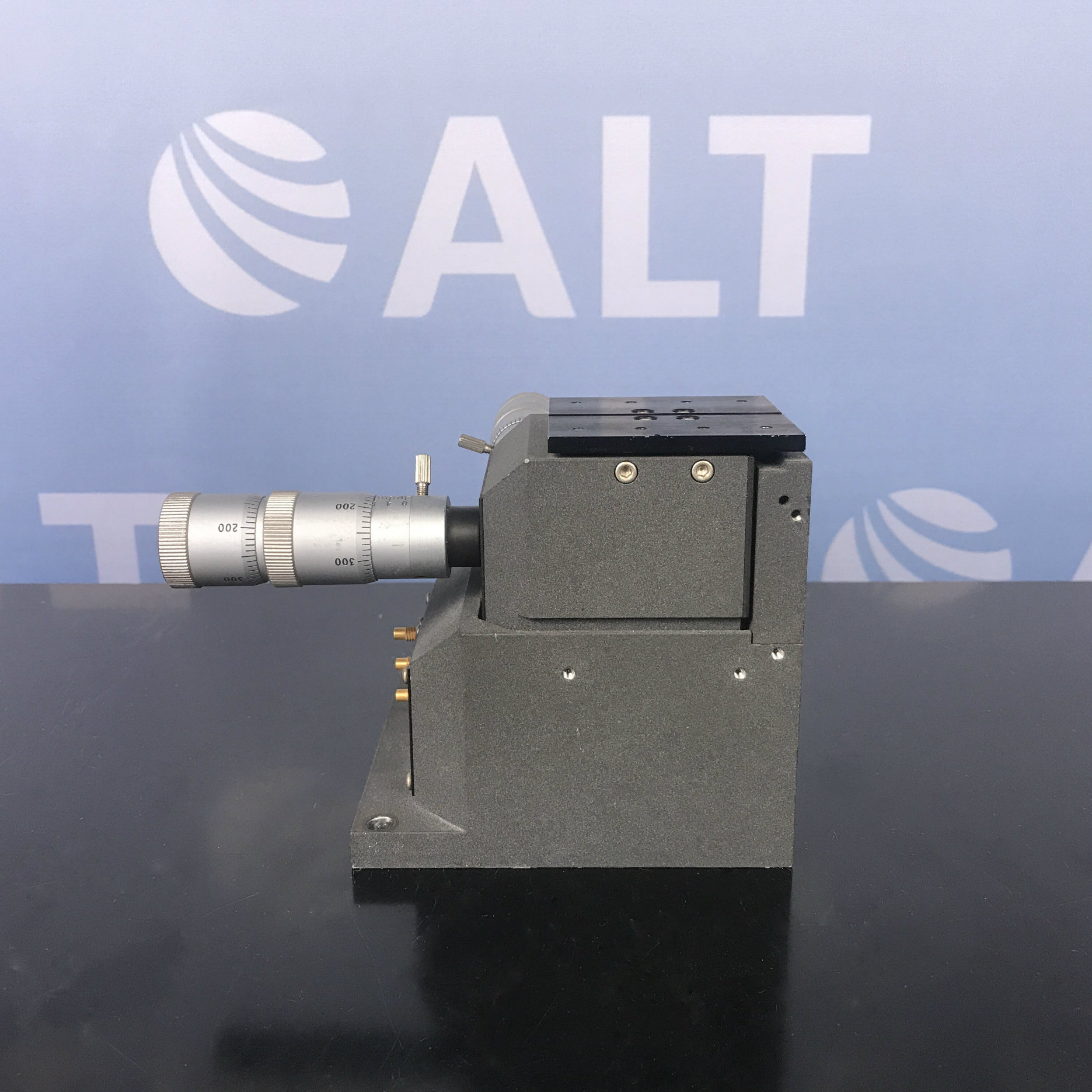 Melles Griot 99ME1399 Three-Axis Stage Image