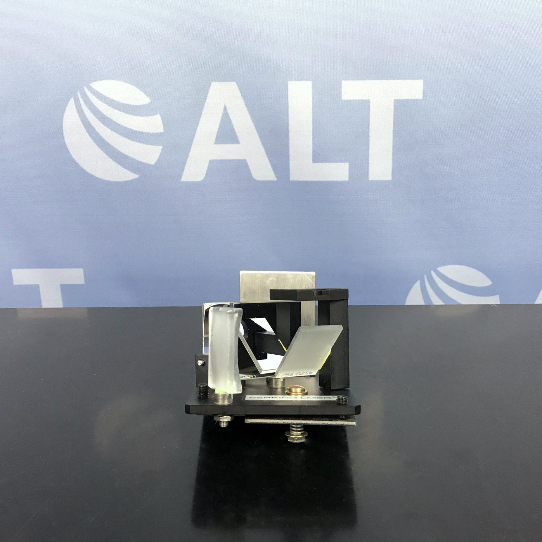 PerkinElmer  3X-Beam Condenser & Reflectance Accessory for IR Spectrophotometer Image