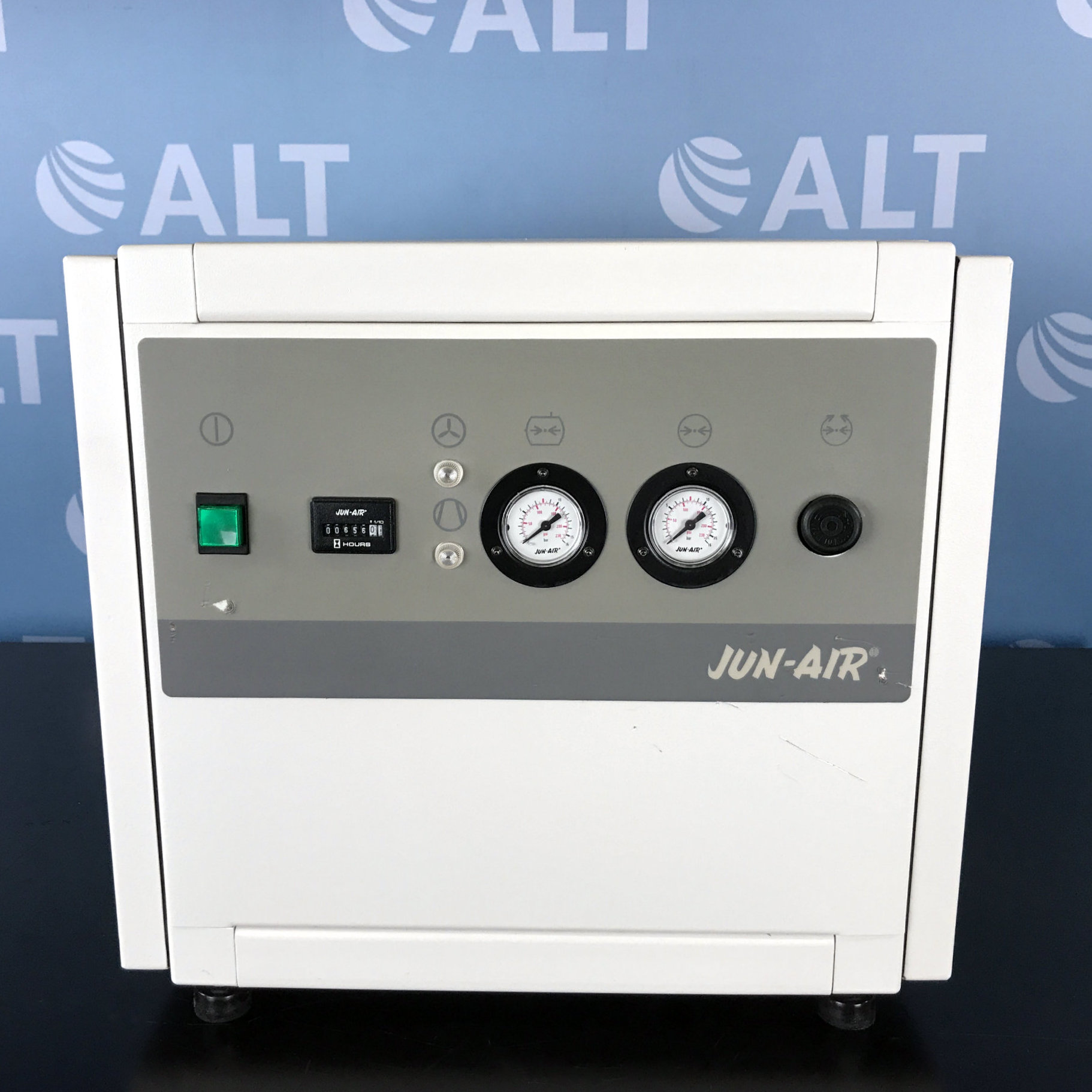 Jun-Air Compressor Model OF302-4M Image