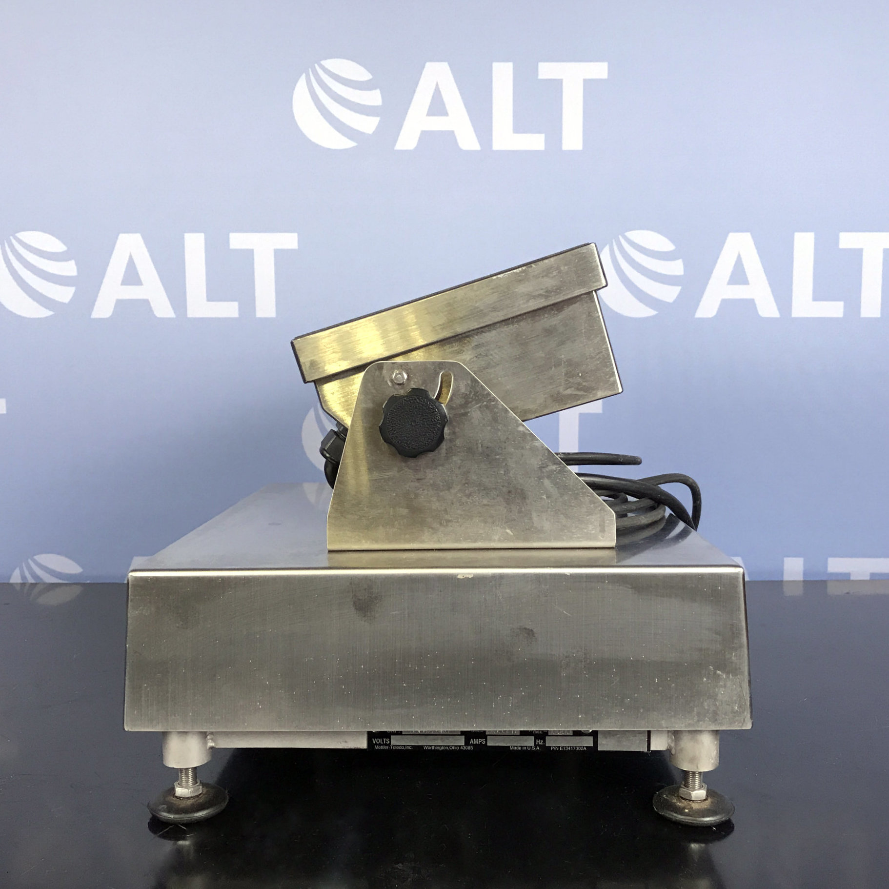 Mettler Toledo LYNX Scale Terminal with UltaRes Scale Image
